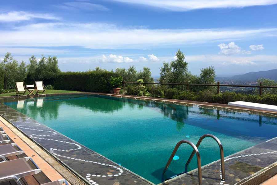 Relax by the pool at our artist travel workshop once the studio instruction has finish for the day. Art workshops allow our guests to practice newfound skills and soak up the local countryside