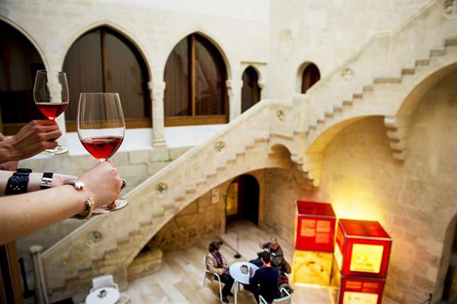 Spain_Barcelona_art_travel_workshops_taylor_smith.jpg