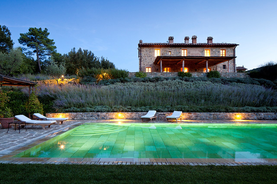 Art-Travel-Workshop-Italy-villa-swimming-pool.jpg