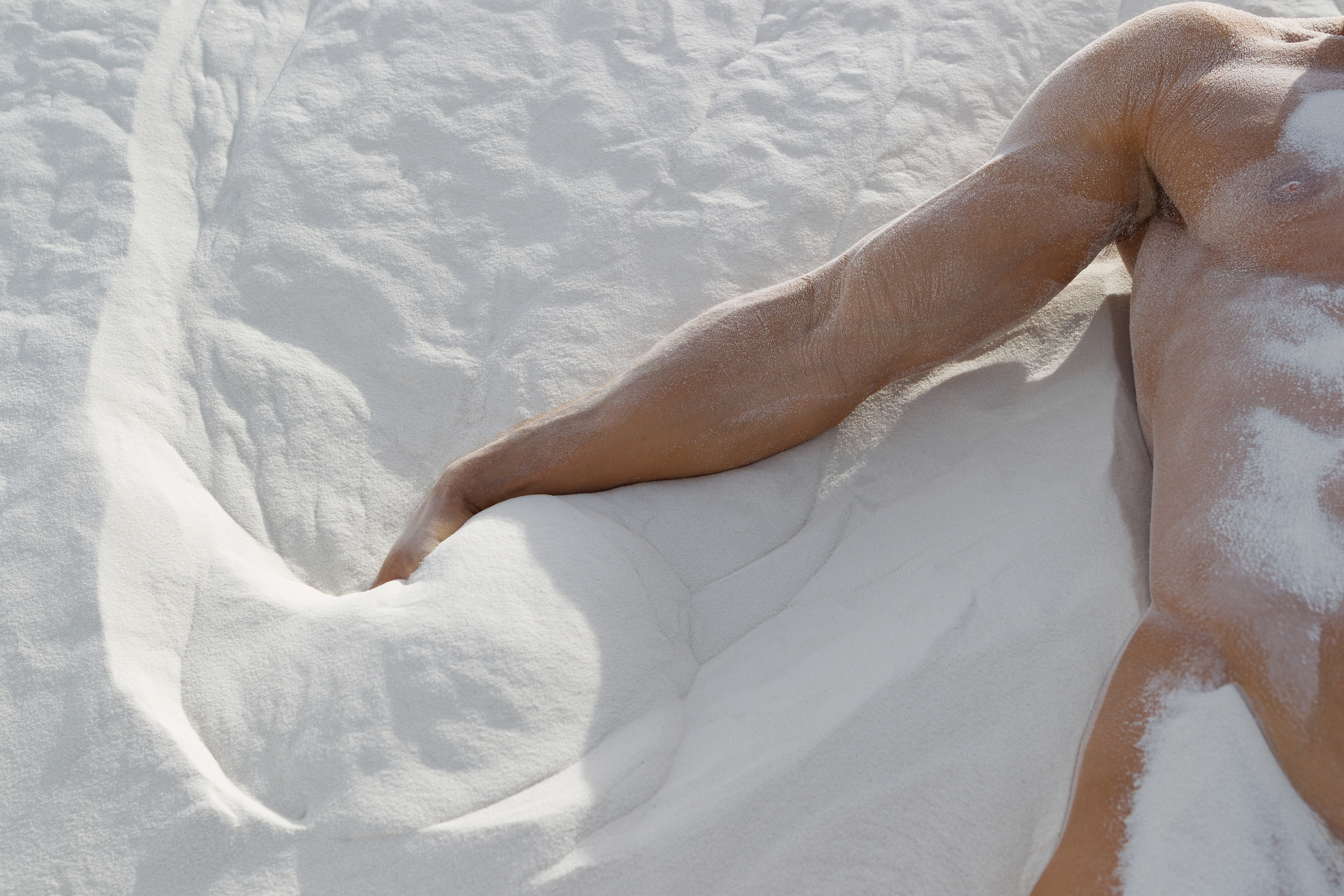 detail-of-a-naked-man-in-White-Sands-NM.jpg