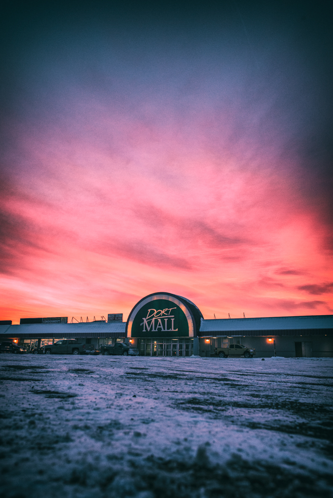 Photo of the Dort Mall by Eric Hergenreder,   available here.