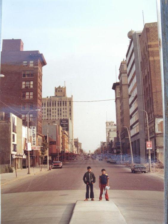 Downtown Flint in 1979, via  Pinterest .