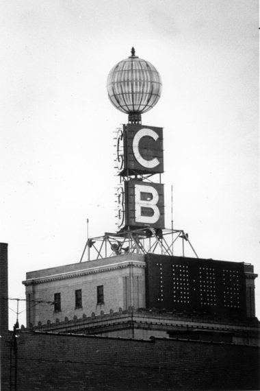 The Citizens Bank Weather Ball in 1978, via  MLive .