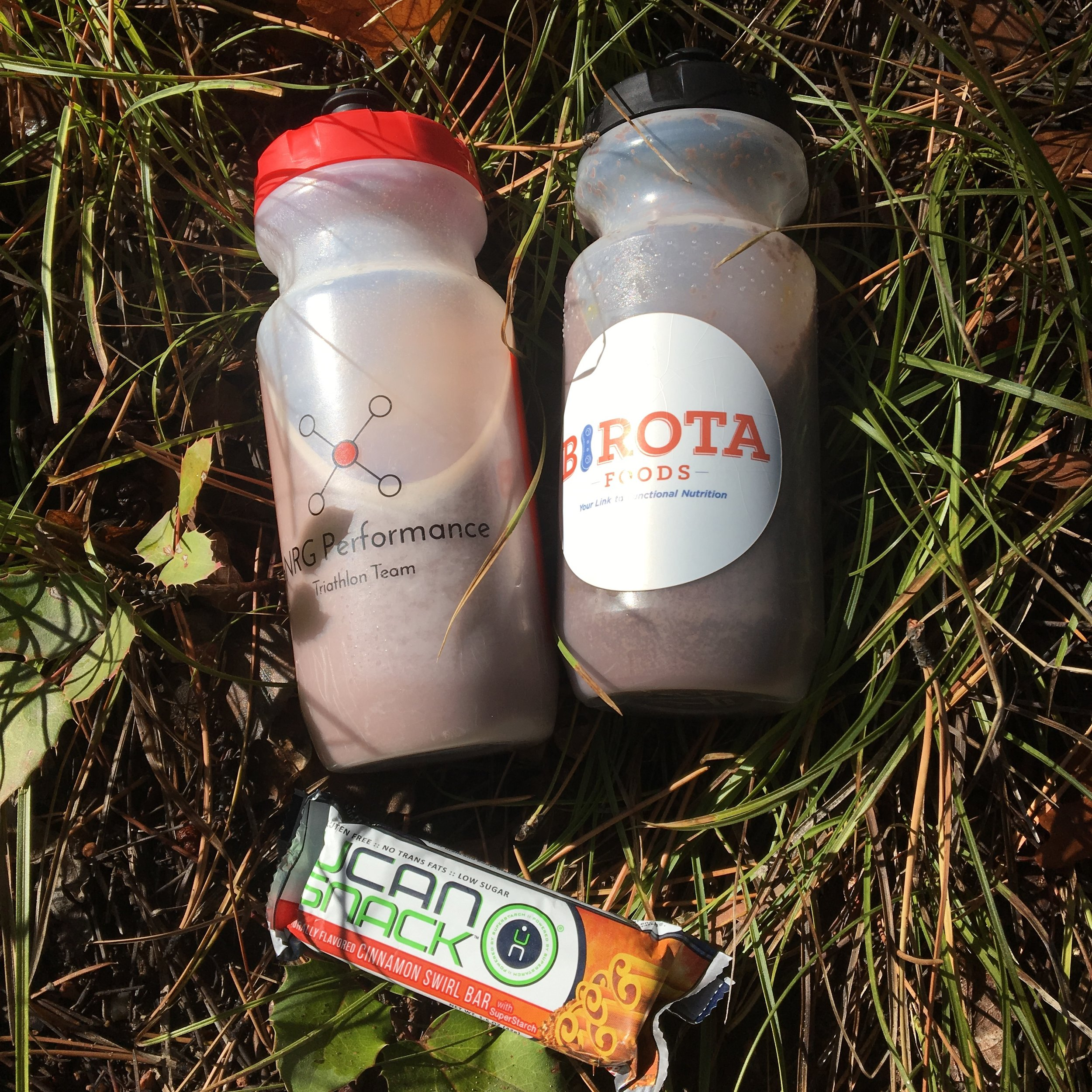 Long run nutrition: Birota Foods Smart Cocoa, Modus Nutrition plant based protein powder and Generation UCAN Cinnamon energy bar.