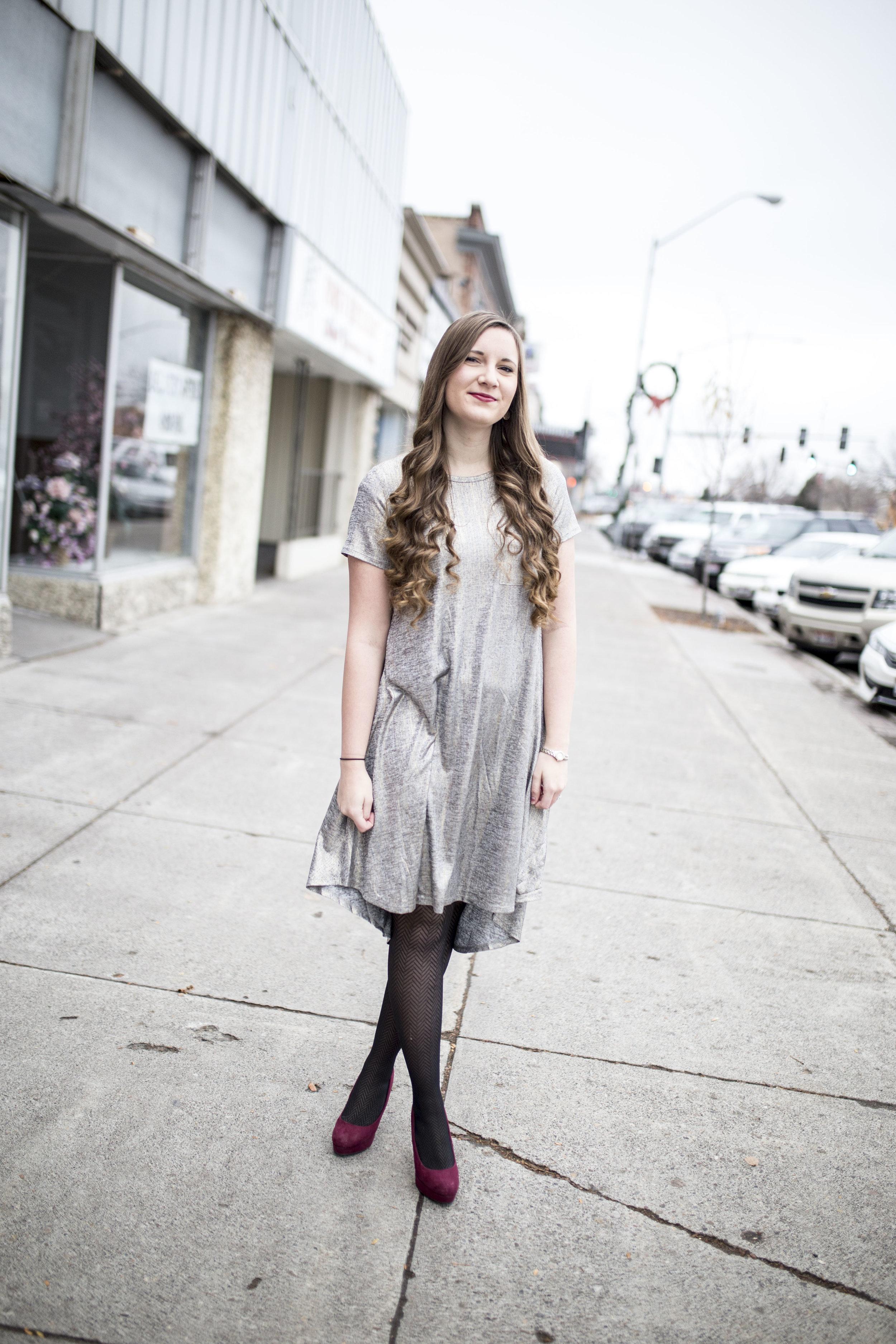 LuluRoe Ariana Street Shoot Elegant Line01.jpg