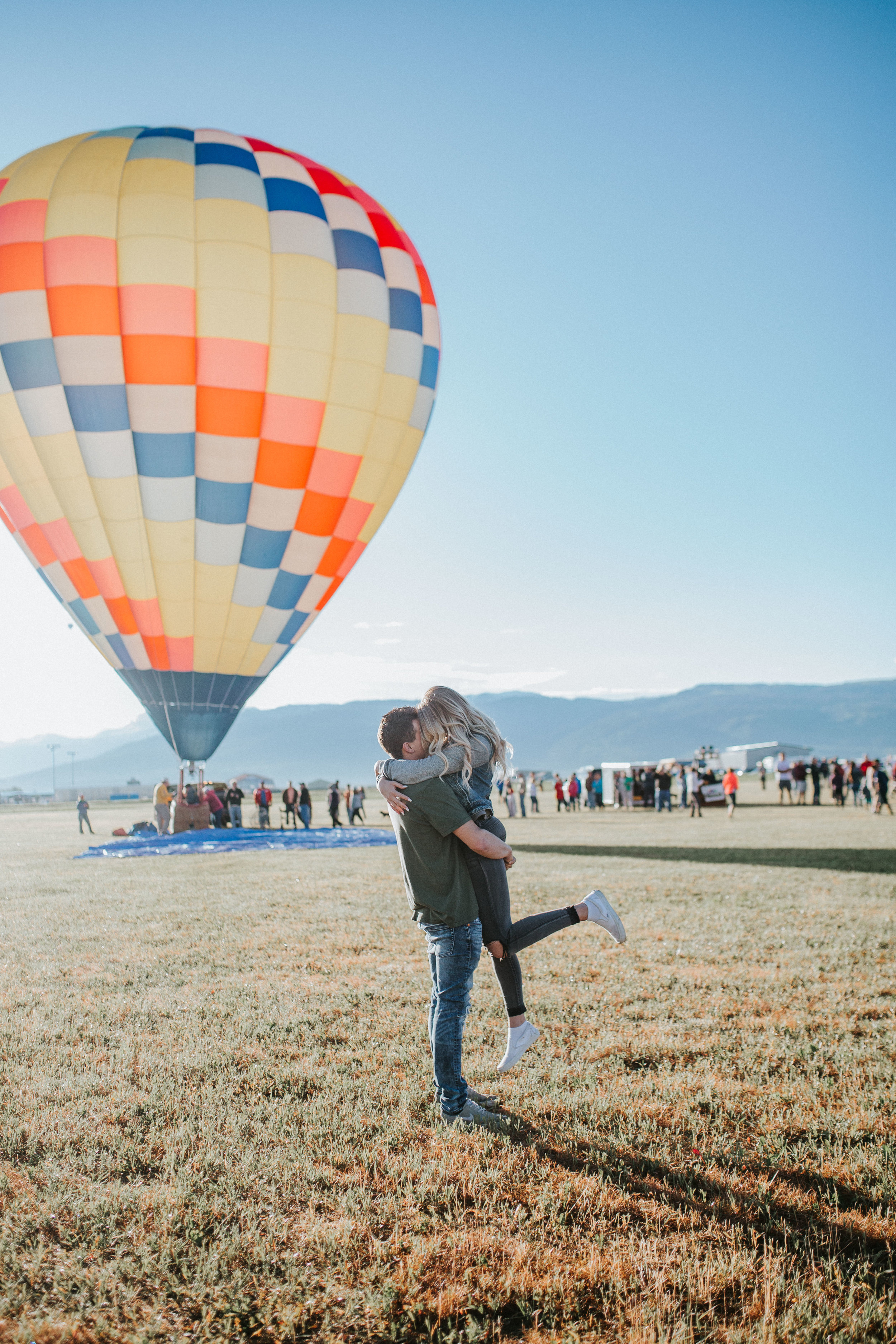 grand teton hot air balloon engagement session