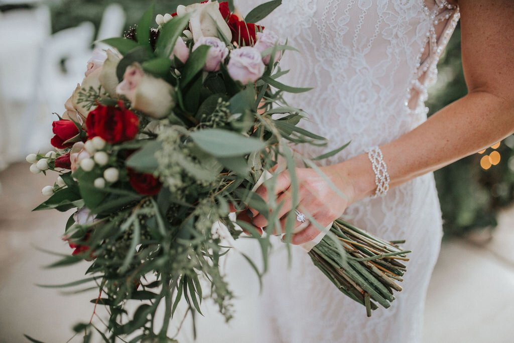 bridal-bouquets-roses-greenery-boho-chic-wedding-decor-look-for-the-light-photo-video