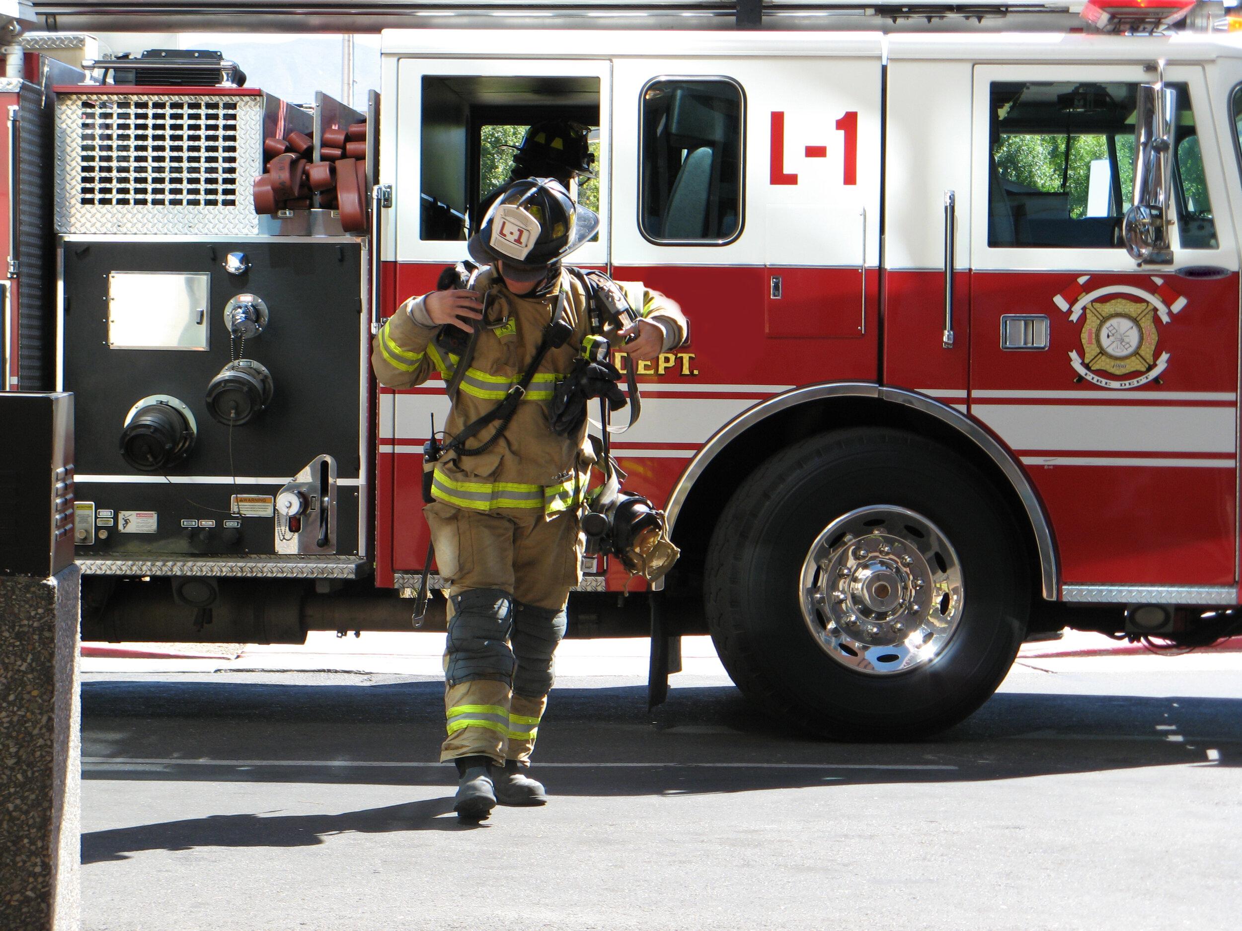 bigstock-Fireman-Rushing-To-Respond-To--7364694.jpg