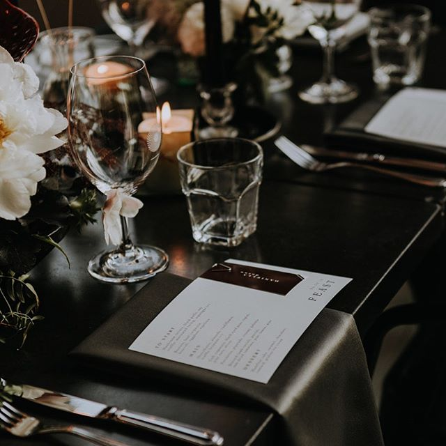 Sarah + Josh  elegant tablescape ✨🖤 In love with these custom minimalist menus and place cards 🙌🏼 . . Photographer: @sarahdagephoto  Planning & design: @heramariages  Florist: @par.anais  Venue: @restaurantleserpent  DJ: @hoolsmusic  Rentals: @tenuedesoiree_  Graphic design: @whitewillowpaperco . . . #modernwedding #modernstationery #graphicdesign #etsyshop #customstationery #weddinginvitation #minimalistdesign #tablescape #instawedding #heramariages #whitewillowpaperco #weddingmenu #montrealwedding #montrealgraphicdesigner
