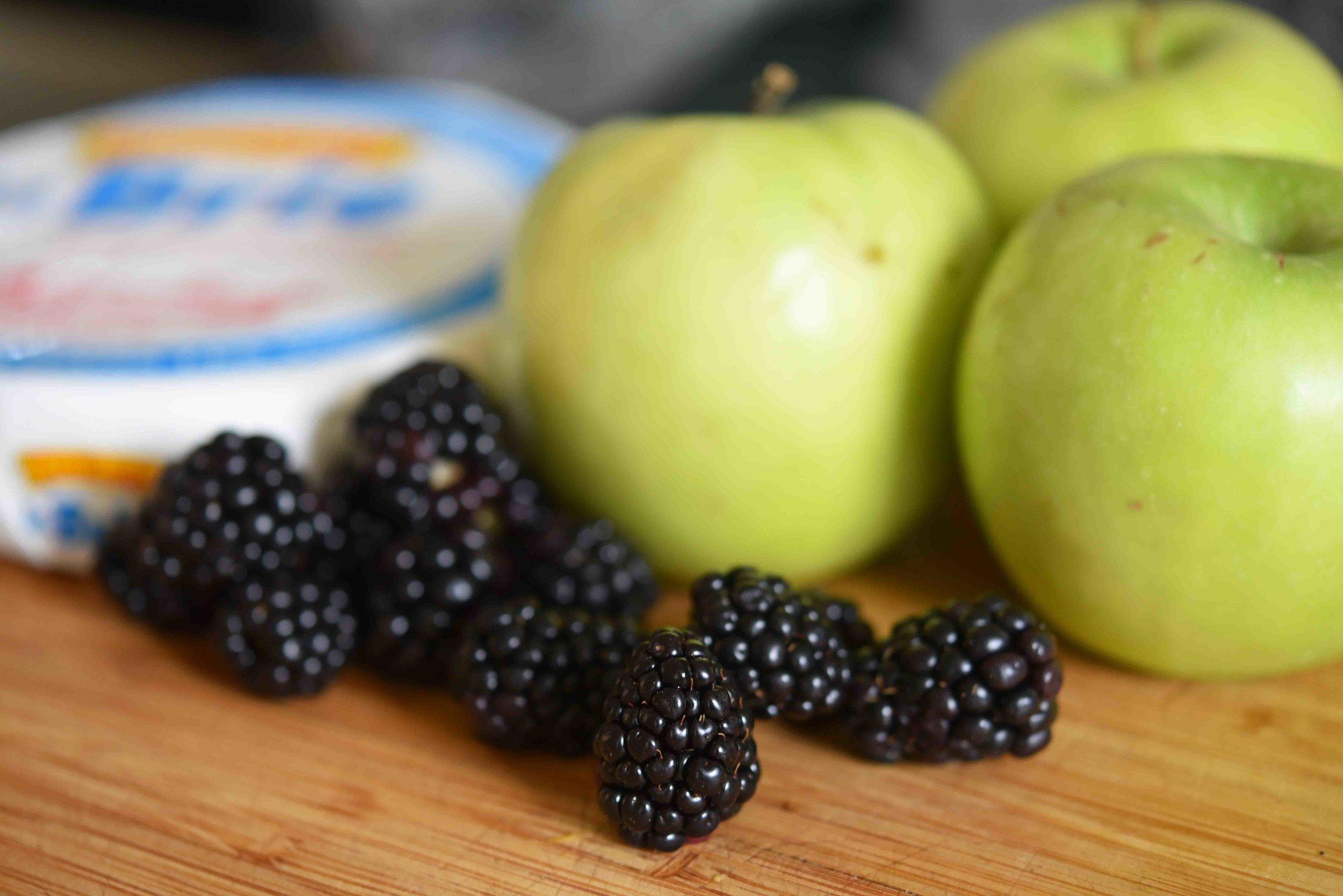 Baked Brie with Blackberry Apple Jam 2.jpg