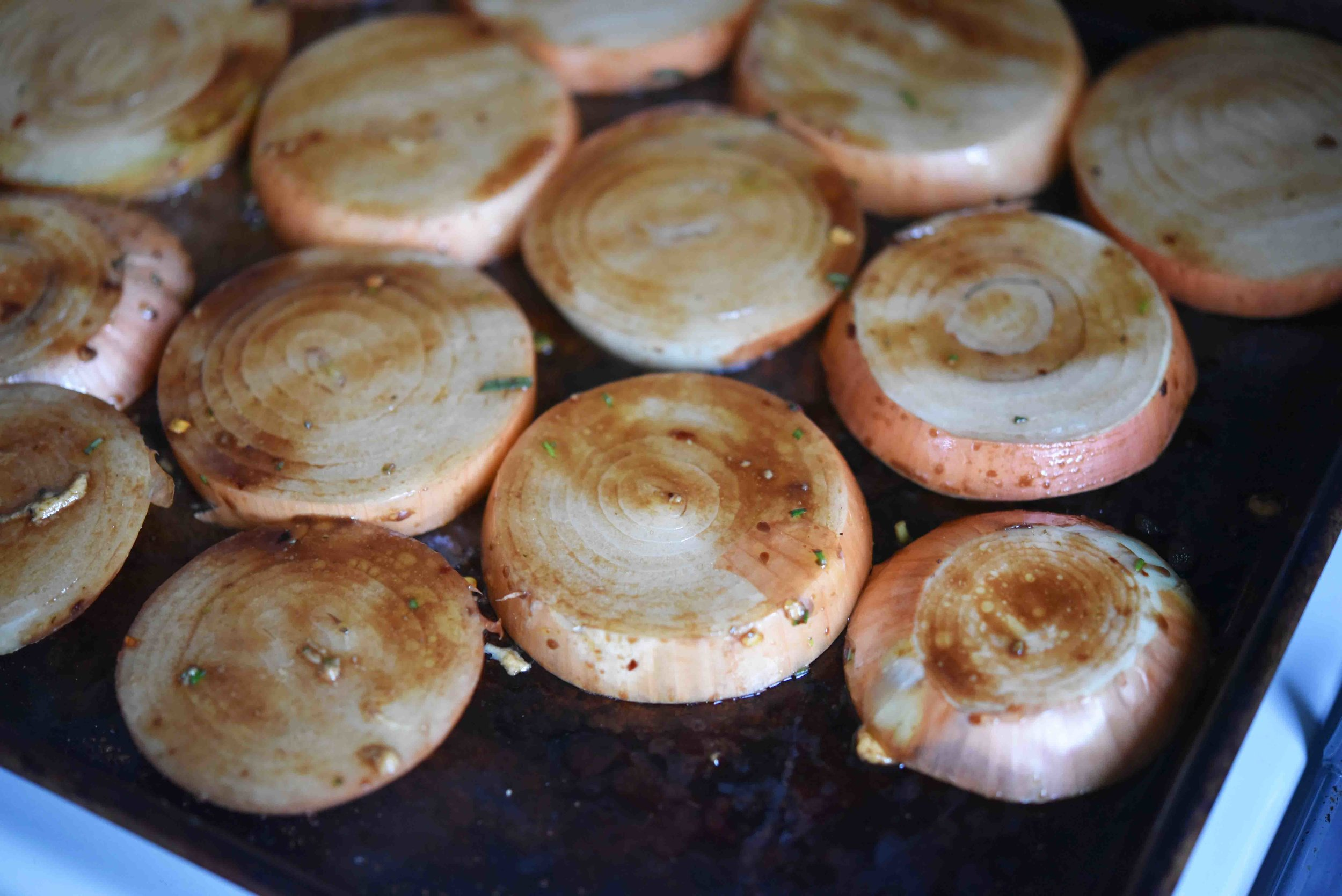 Balsamic Roasted Onions 6(1).jpg