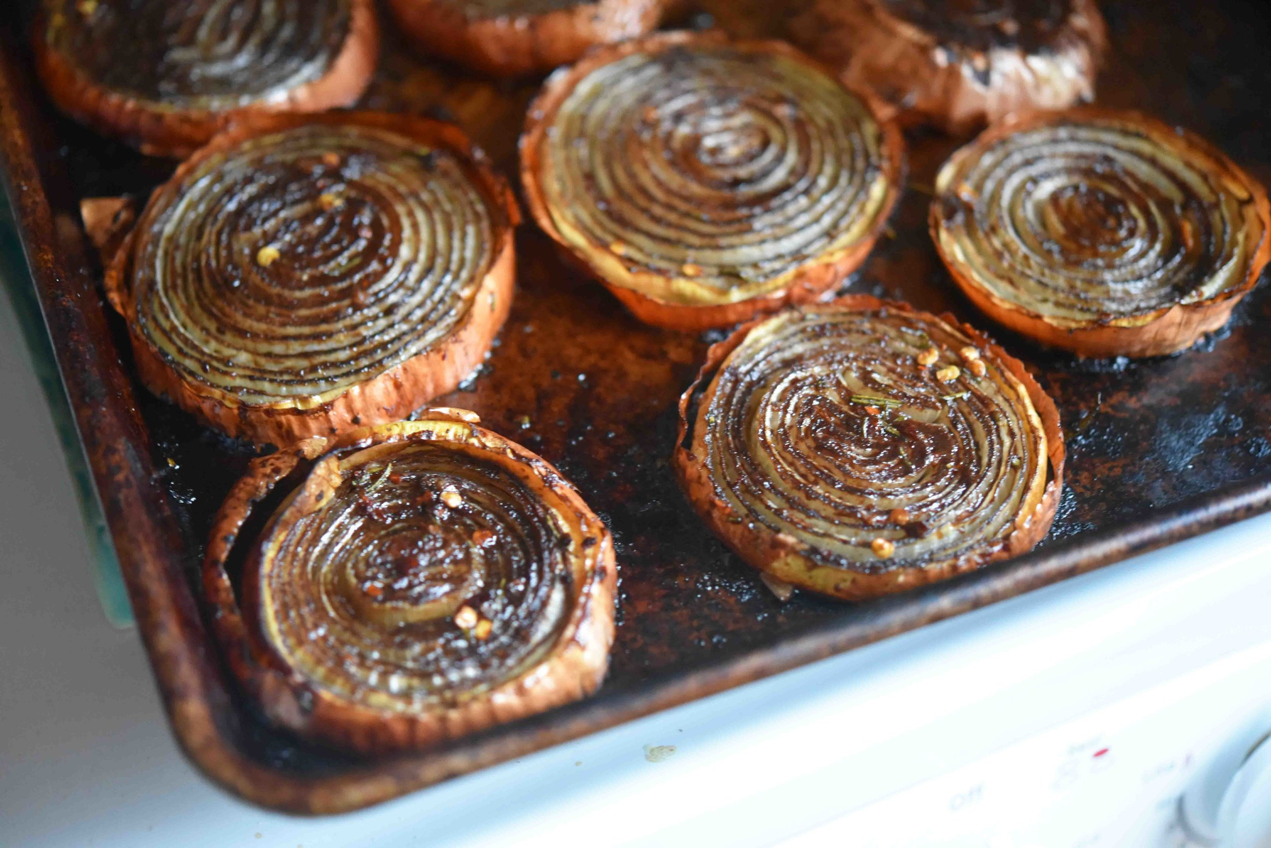 Balsamic Roasted Onions 7(1).jpg