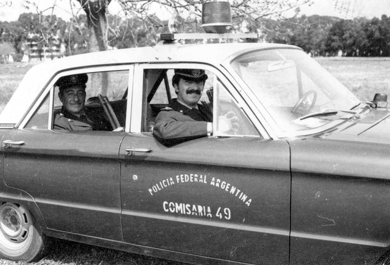 policia-federal-argentina-ford-falcon.jpg