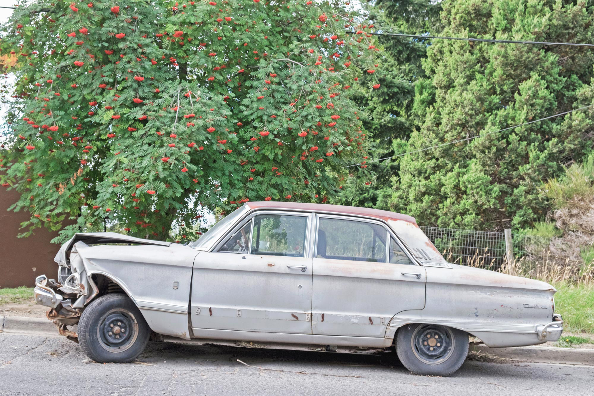 Ford-Falcon-smashed-Belgrano-Bariloche-Argentina.jpg
