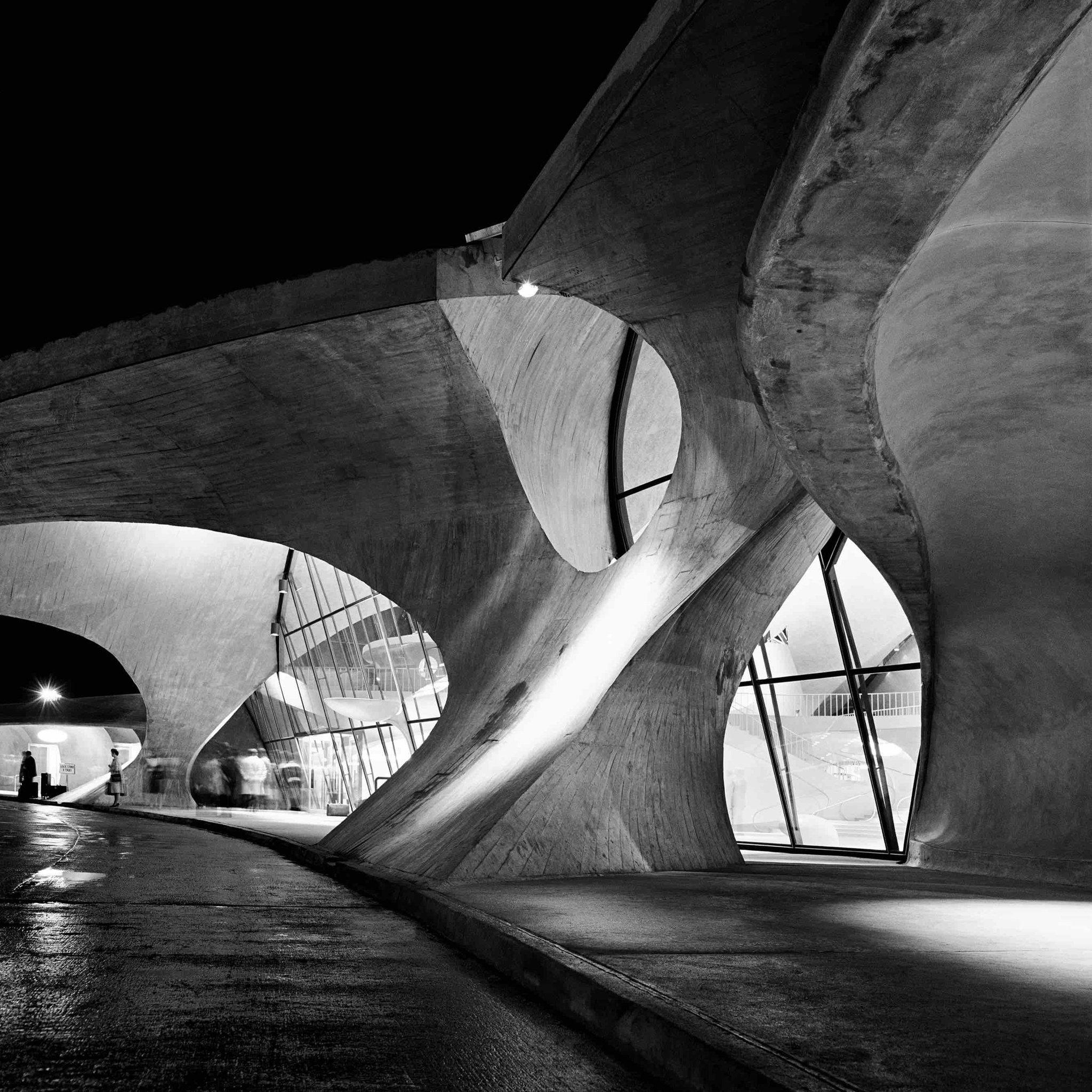 Eero Saarinen's TWA Terminal at JFK Airport, New York, 1965 - Balthazar Korab