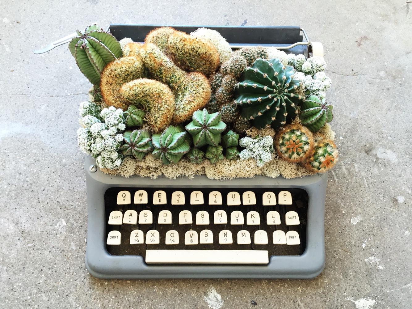 tom thumb typewriter.jpg