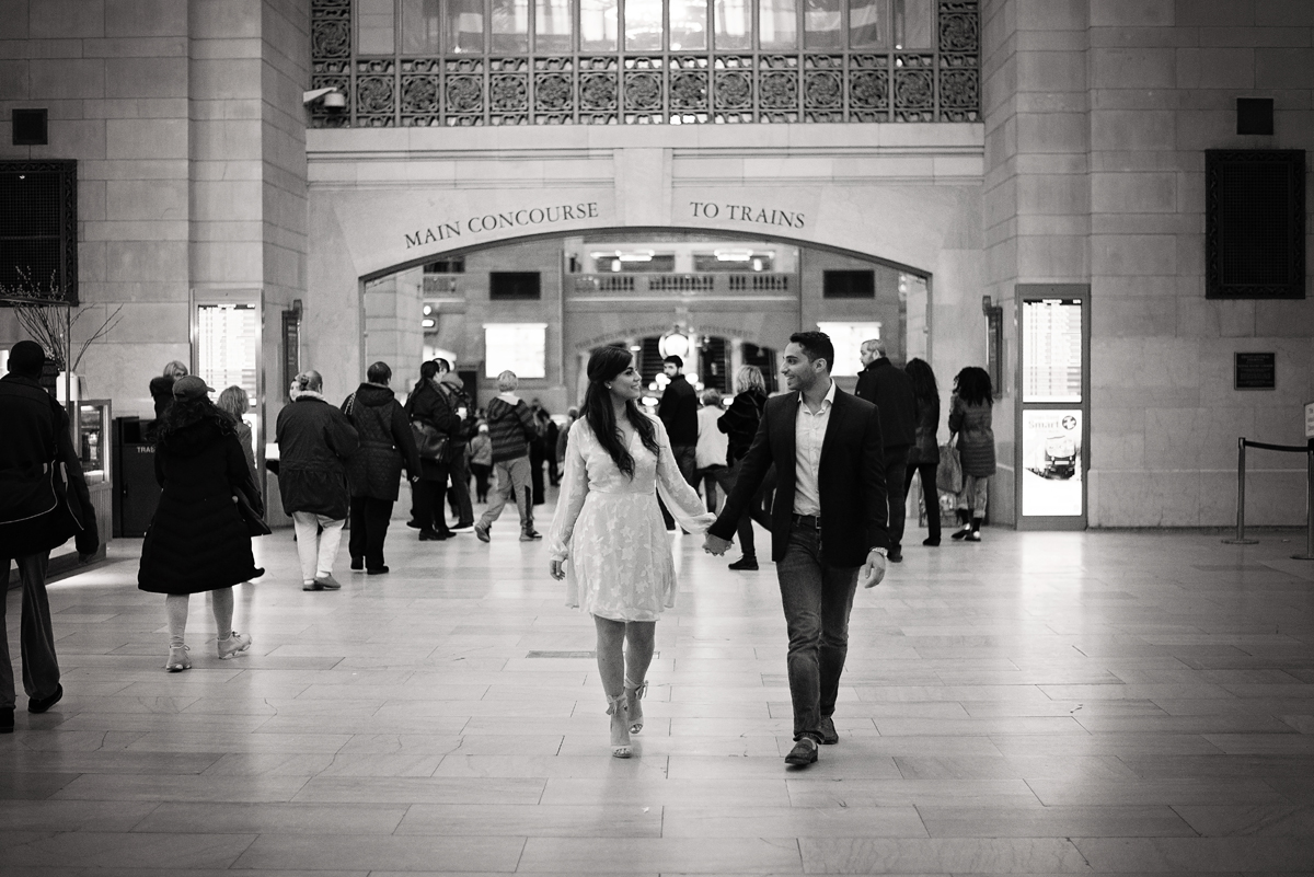 nyc wedding photographer _ couples engagement shoot in grand central station00144.jpg