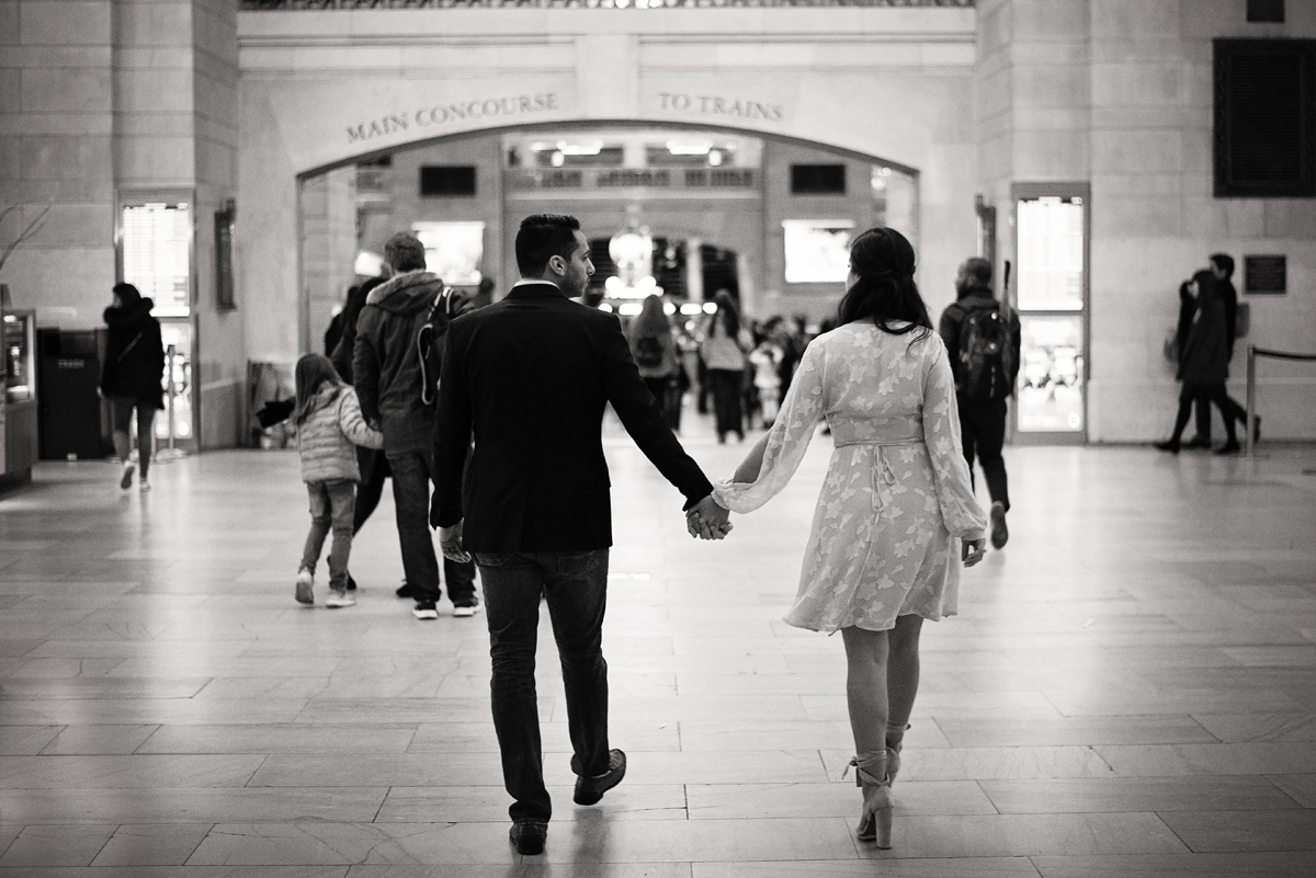 nyc wedding photographer _ couples engagement shoot in grand central station00145.jpg