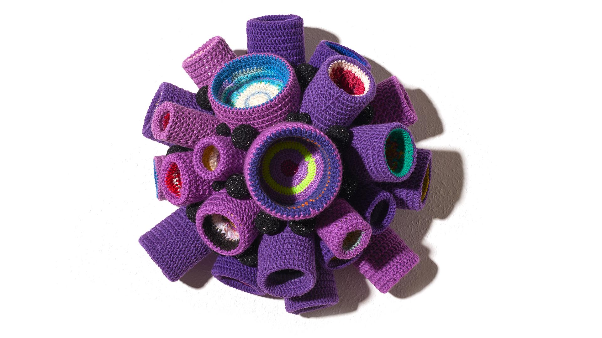 Yarn / Plastic containers / Styrofoam. 2017. 50 x 50 x 50 cm each.