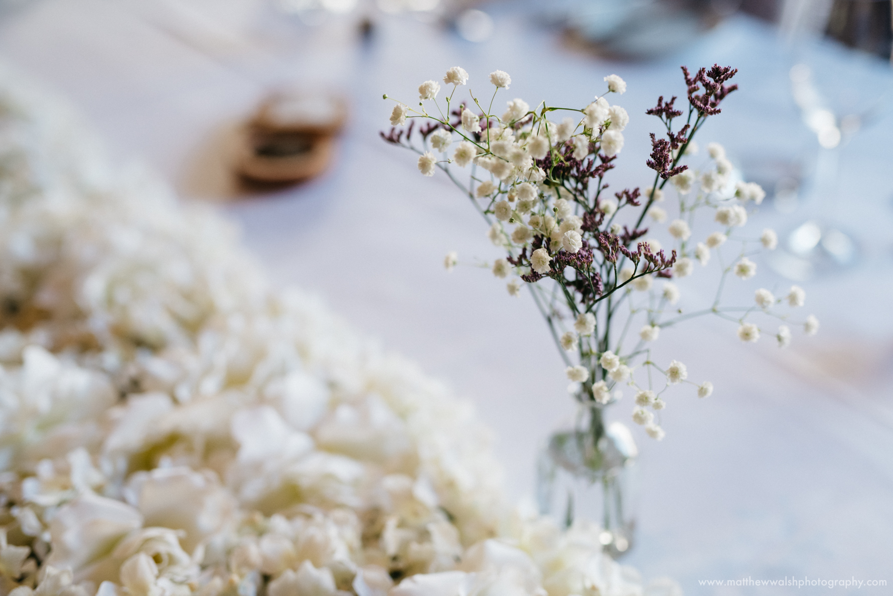 Simple but stylish table flowers