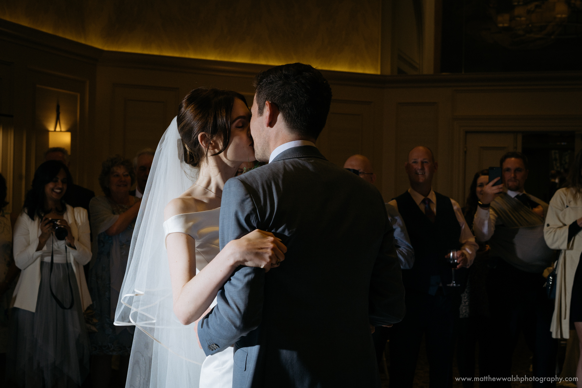 Kissing during the first dance
