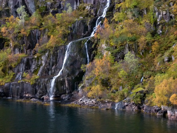 Trollfjord34
