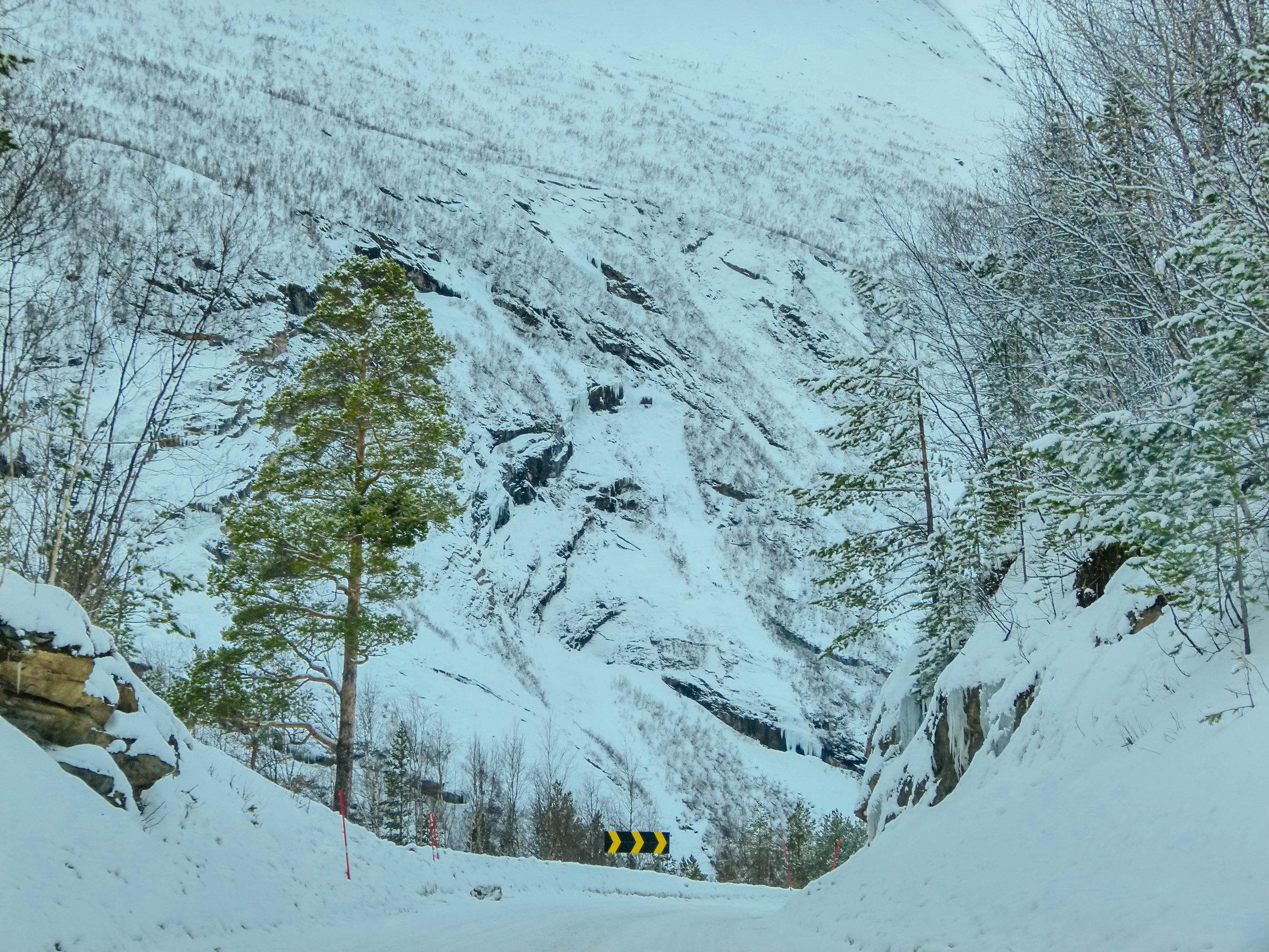 winter road trip arctic circle