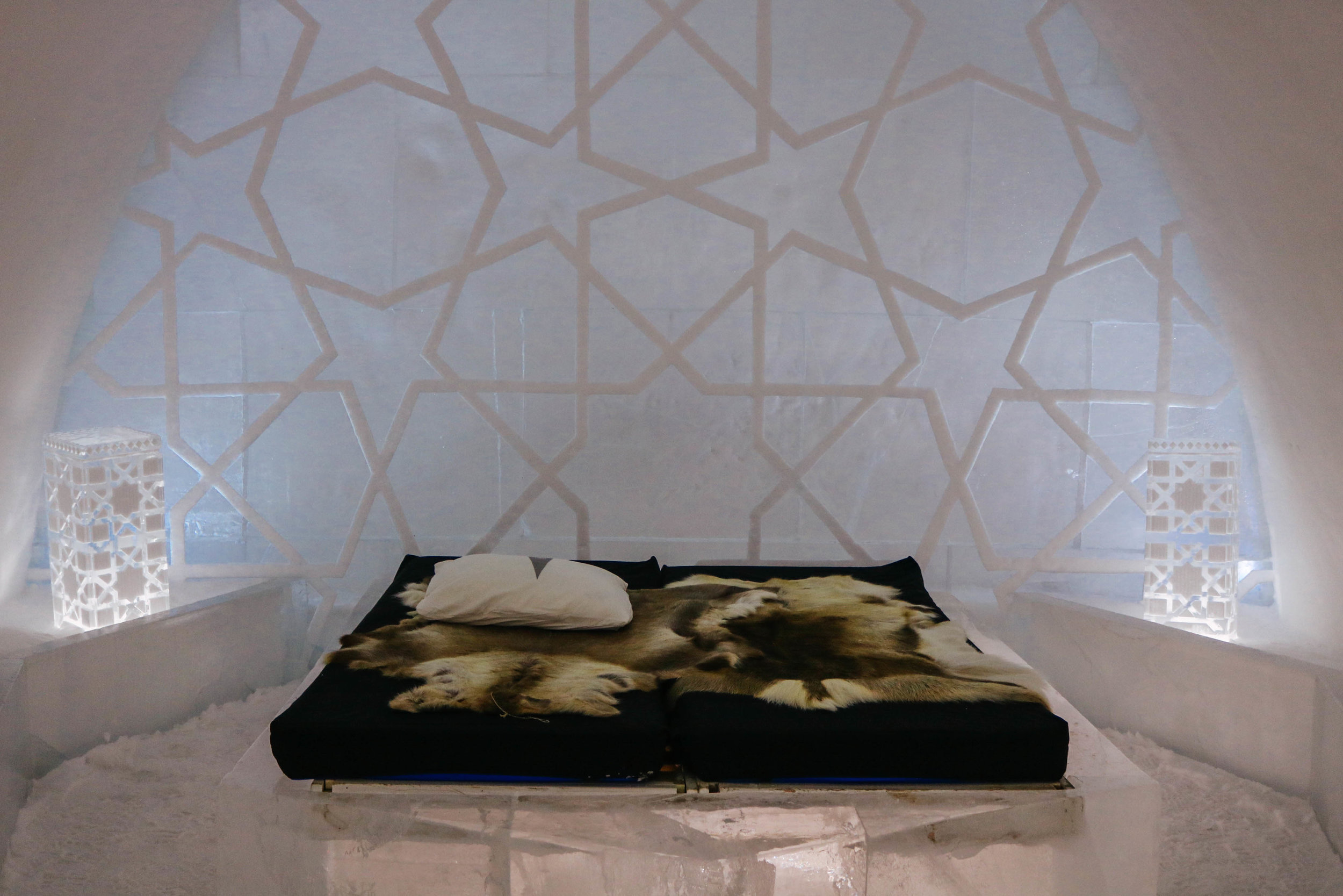 """As the artists come from all over the world, your room doesn't have to feel """"Arctic"""". This suite proves that it's totally possible to create a """"Moroccan dream"""" out of ice!"""