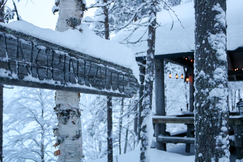 isokenkäisten klubi cabin holiday finnish lapland