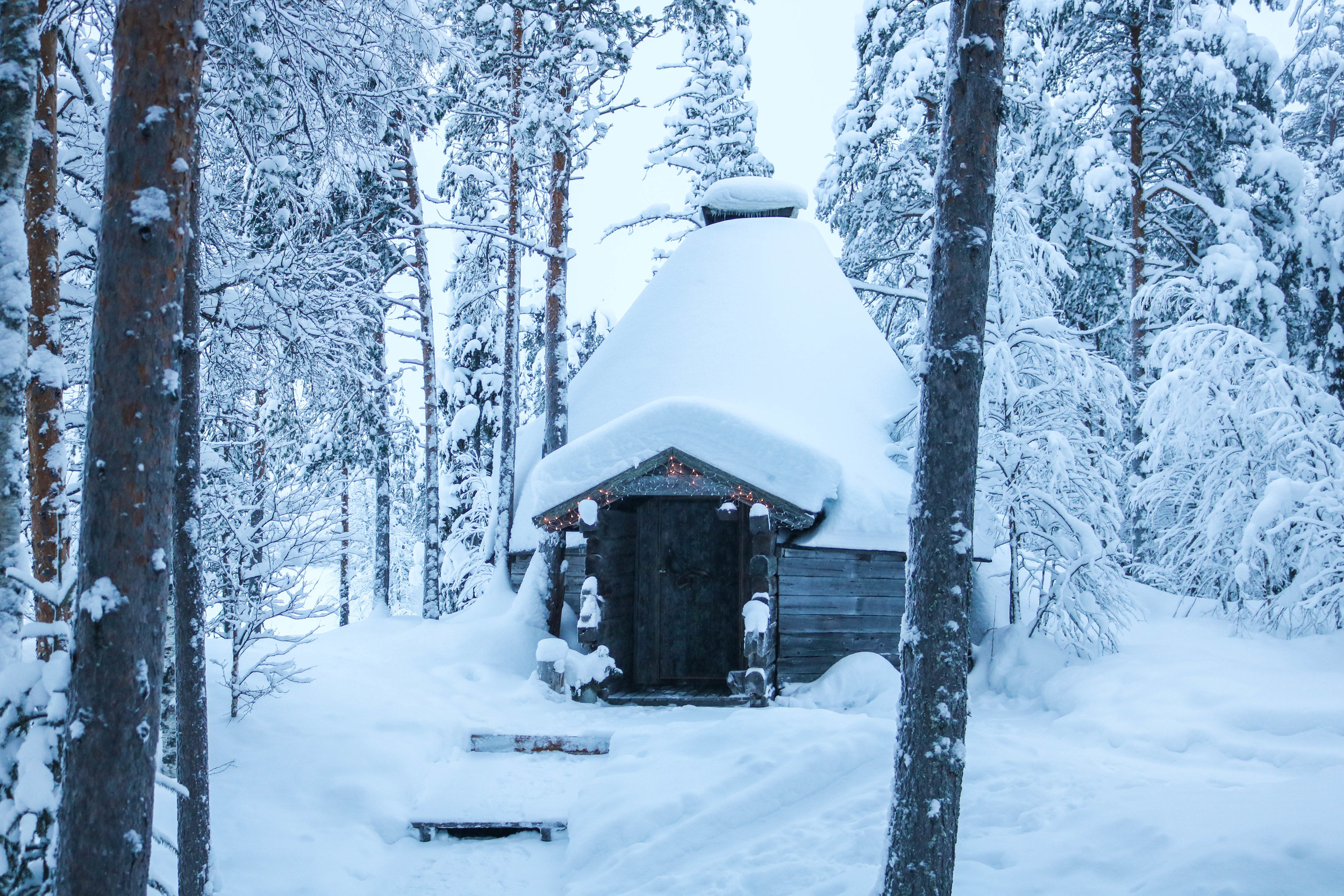 wilderness cabin finland (1).jpg