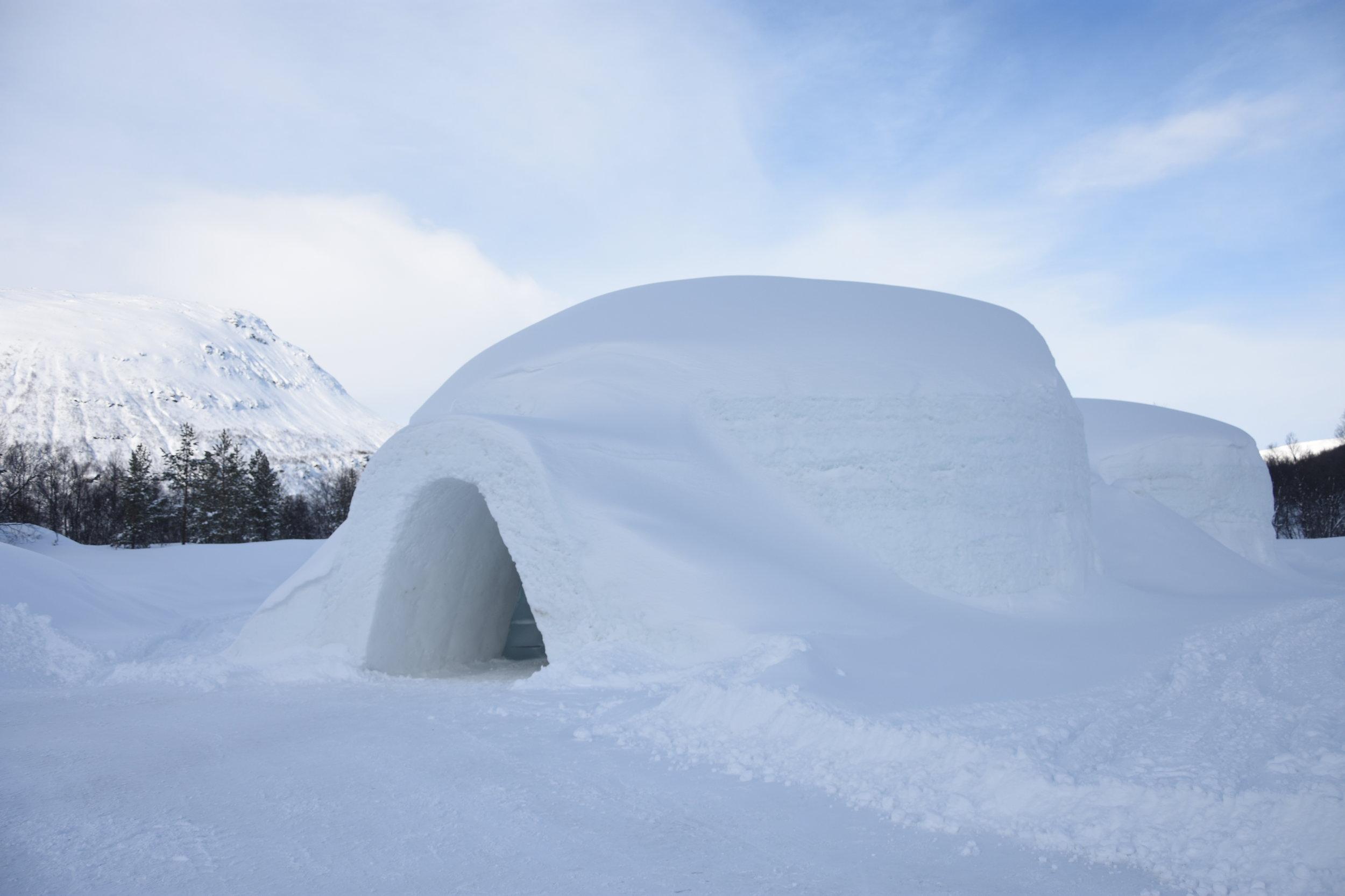 tromsø ice domes (2).JPG