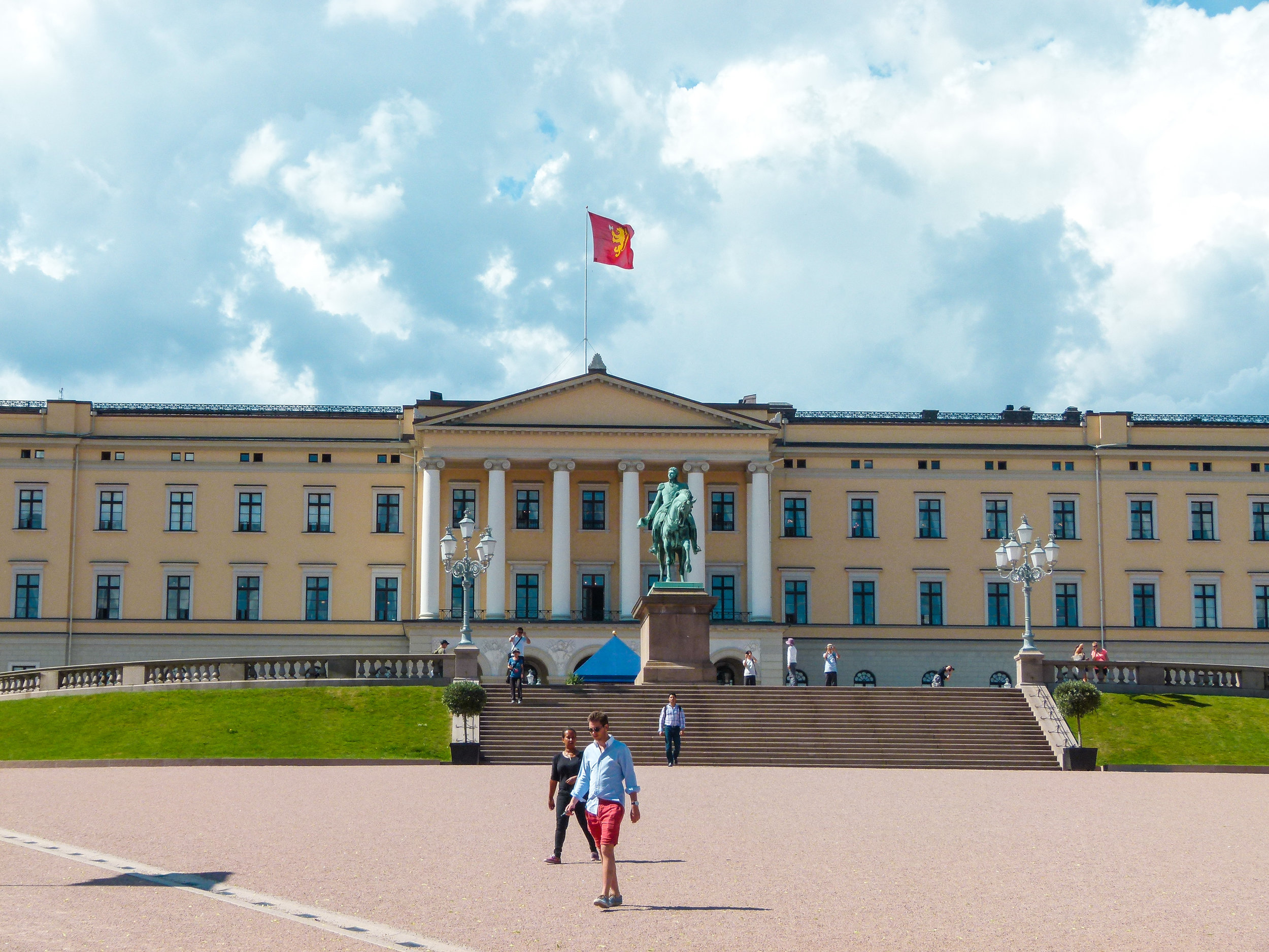 how to get to royal palace oslo from train station.jpg