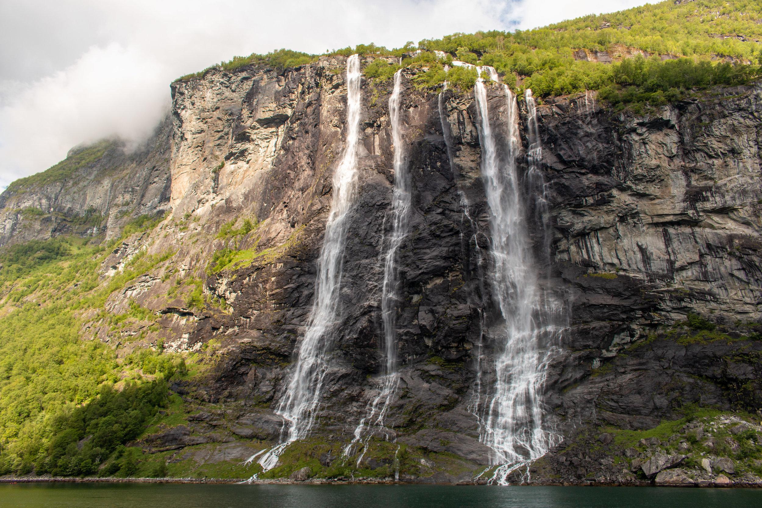 """Wasserfall """"Die sieben Schwestern"""".jpg"""