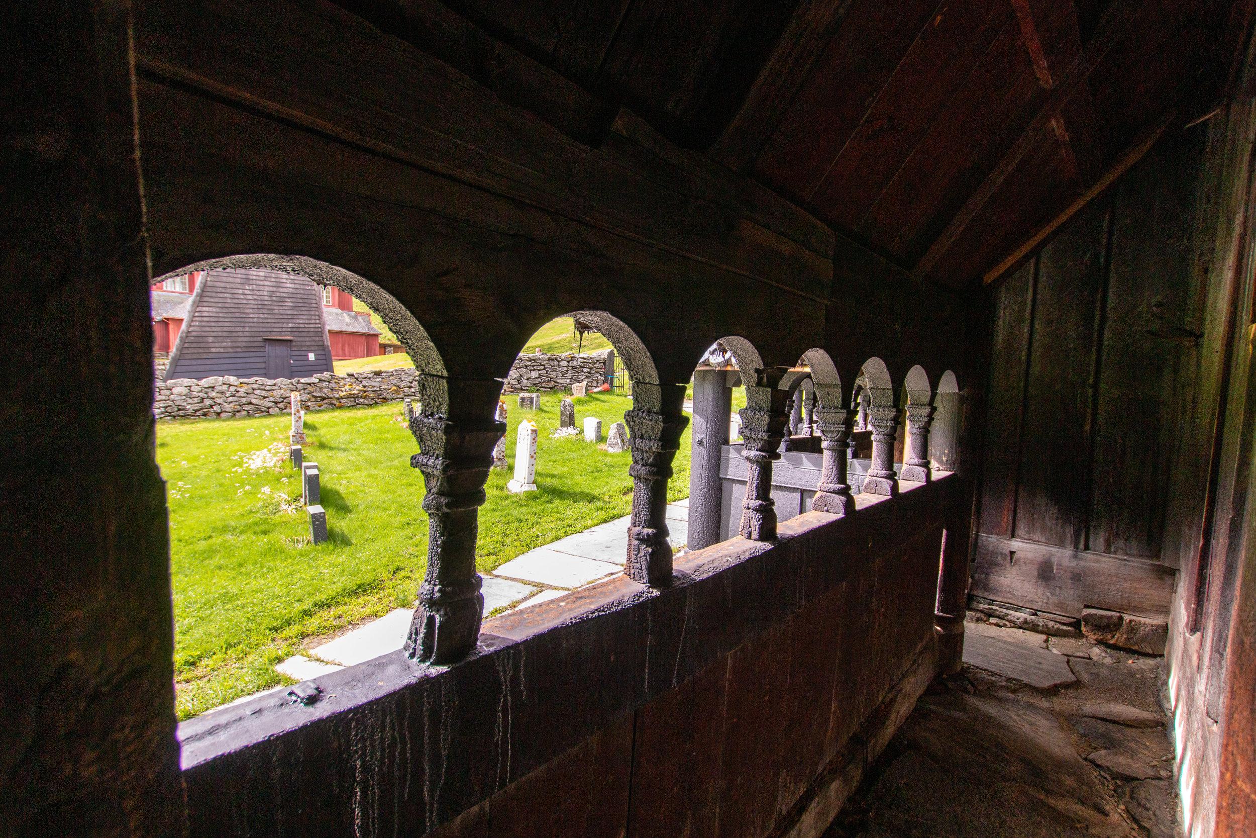 Besucherzentrum bei der Stabkirche von Borgund.jpg