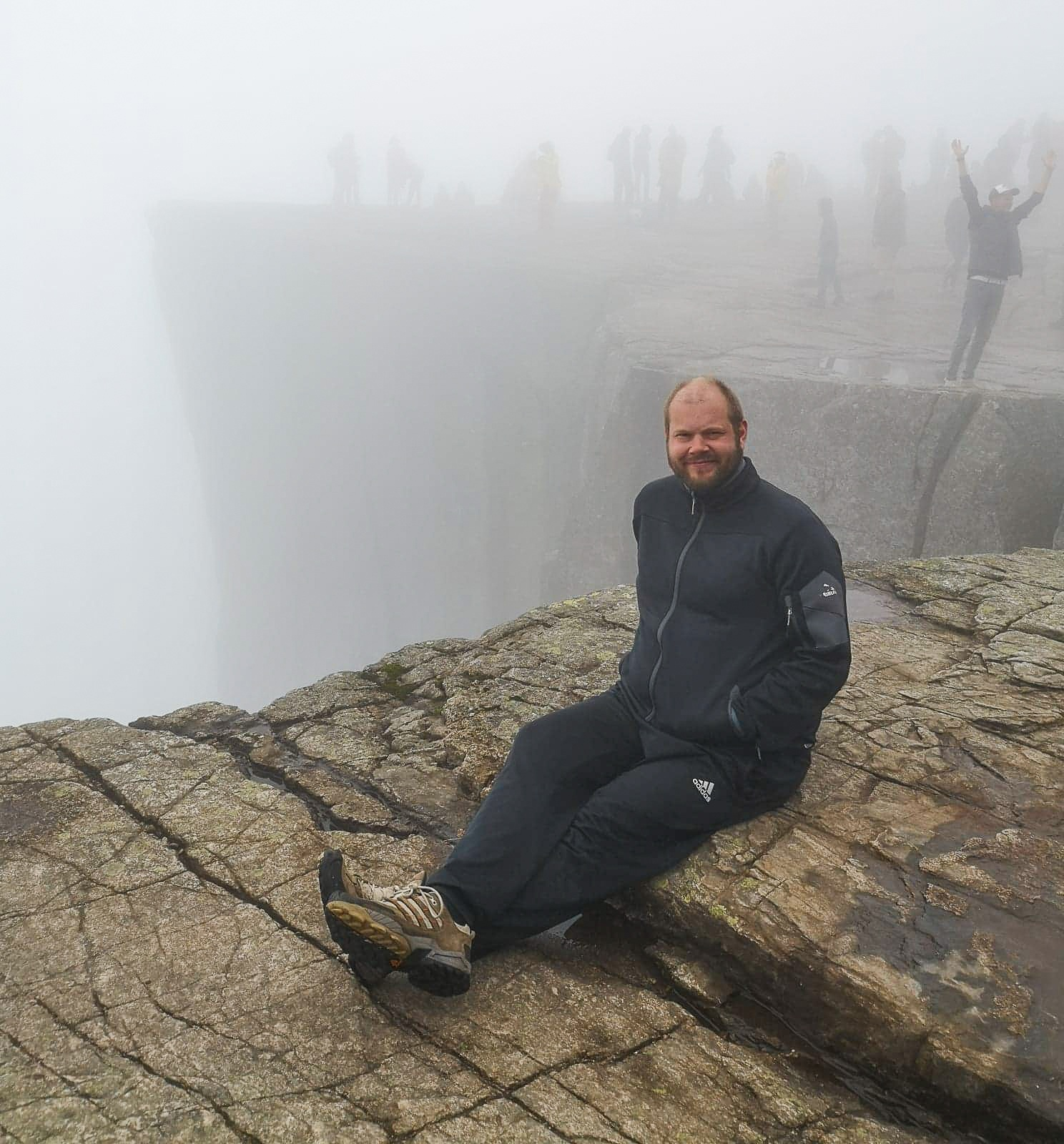 what to wear to hike pulpit rock
