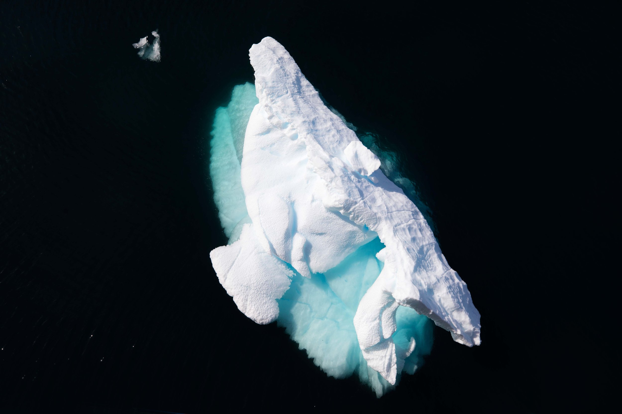 Lemaire Channel, Antarctica 01.jpg