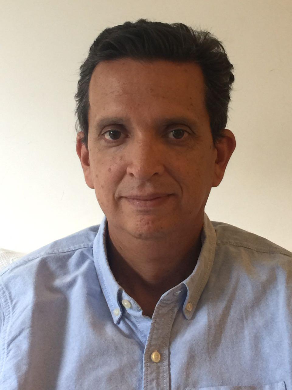 Dr. Julio Alvarado (Anestesia)