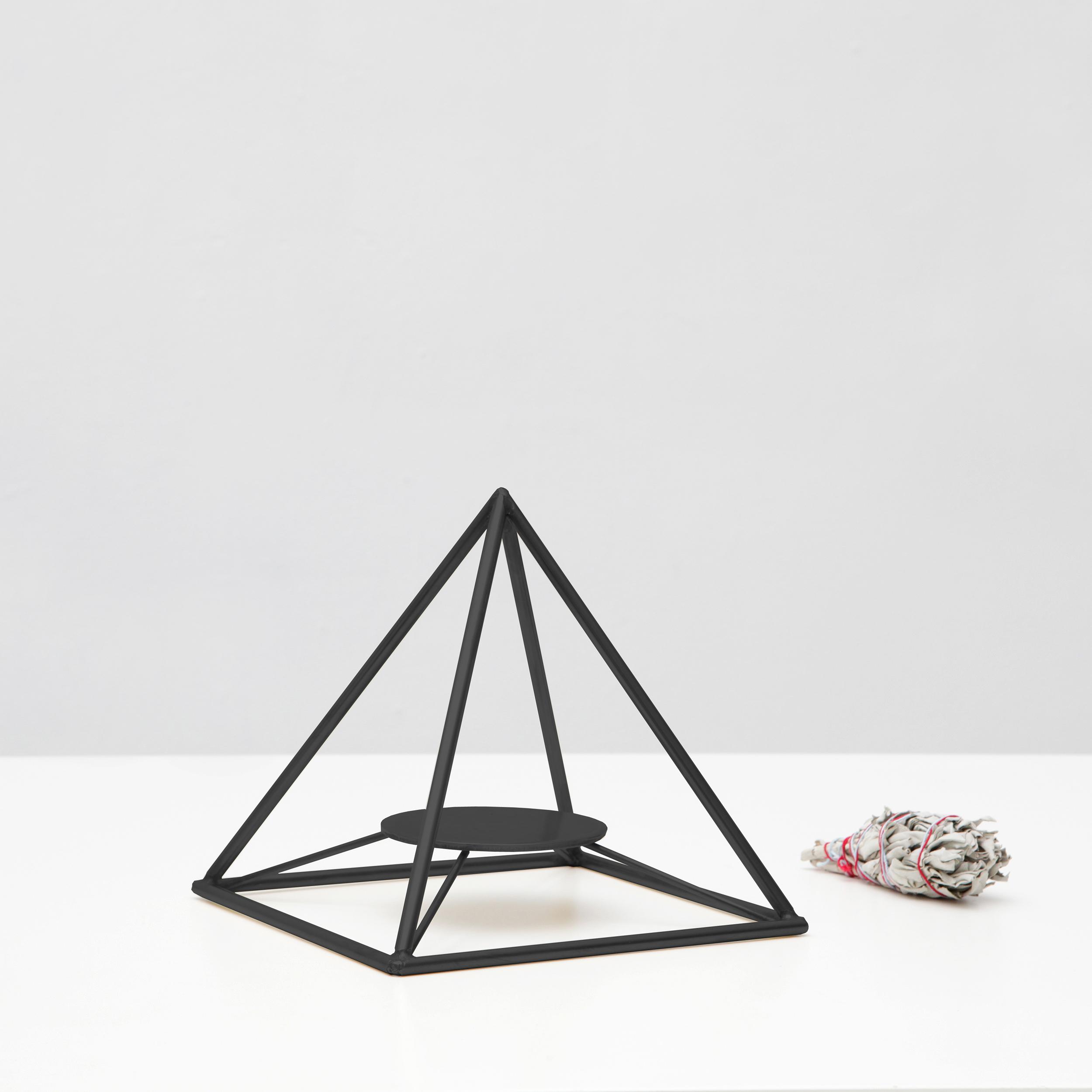 Sage Pyramid / Black