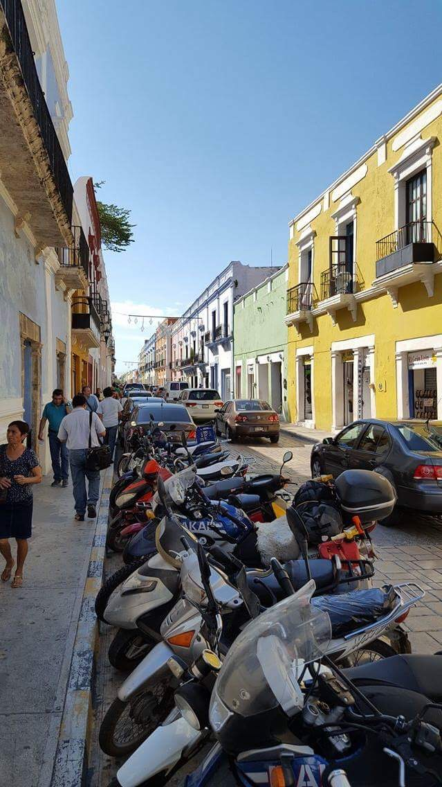 Competitive parking in colonial Campeche, a UNESCO World Heratage Site