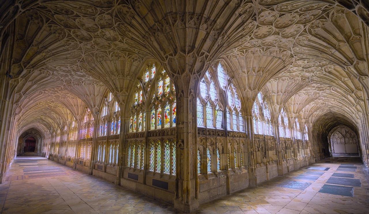 abbey-1866549_1280.jpg