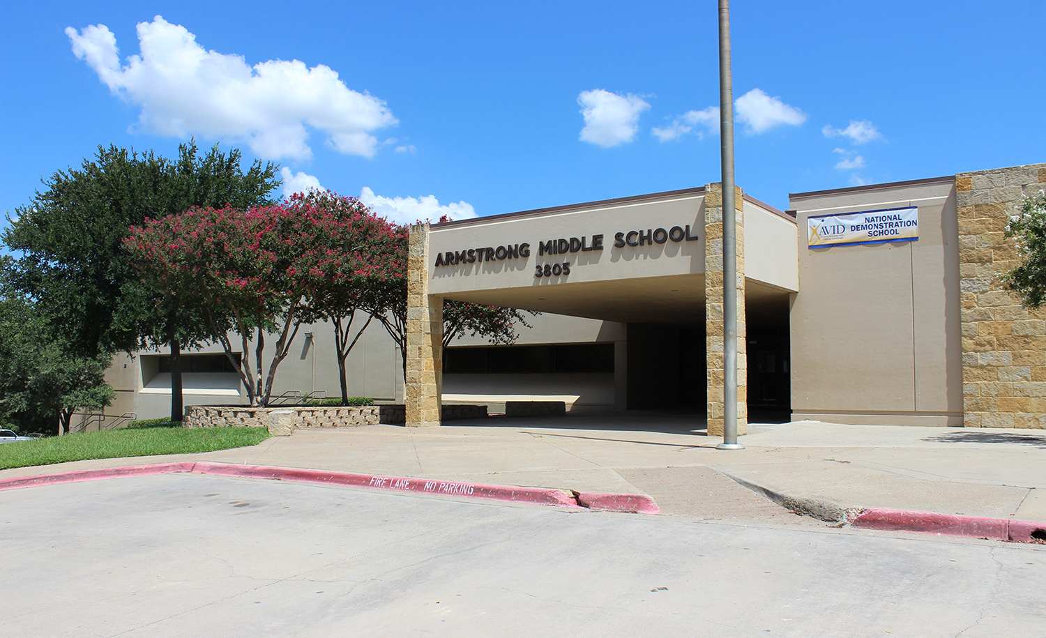 Armstrong Middle School – Plano, TX – 2,000 sq. ft.