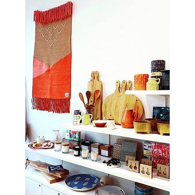• 7 AU 12 MAI | Kariaa chez @lusaluso • Lusa Luso, c'est un autre regard sur le Portugal : des collections Lifestyle (maison, mode, accessoires) mêlant Design & Artisanat | 92 boulevard voltaire | RDV à partir de Mardi •  #lusaluso #kariaa #conceptstore #maroc #portugal #shopping #paris #shopinparis #paris11 #artisanat #bohostreetstyle #parisienne #mode #maison #design #parisien #fashionrevolution #handmade #whomademyclothes #tendance2019