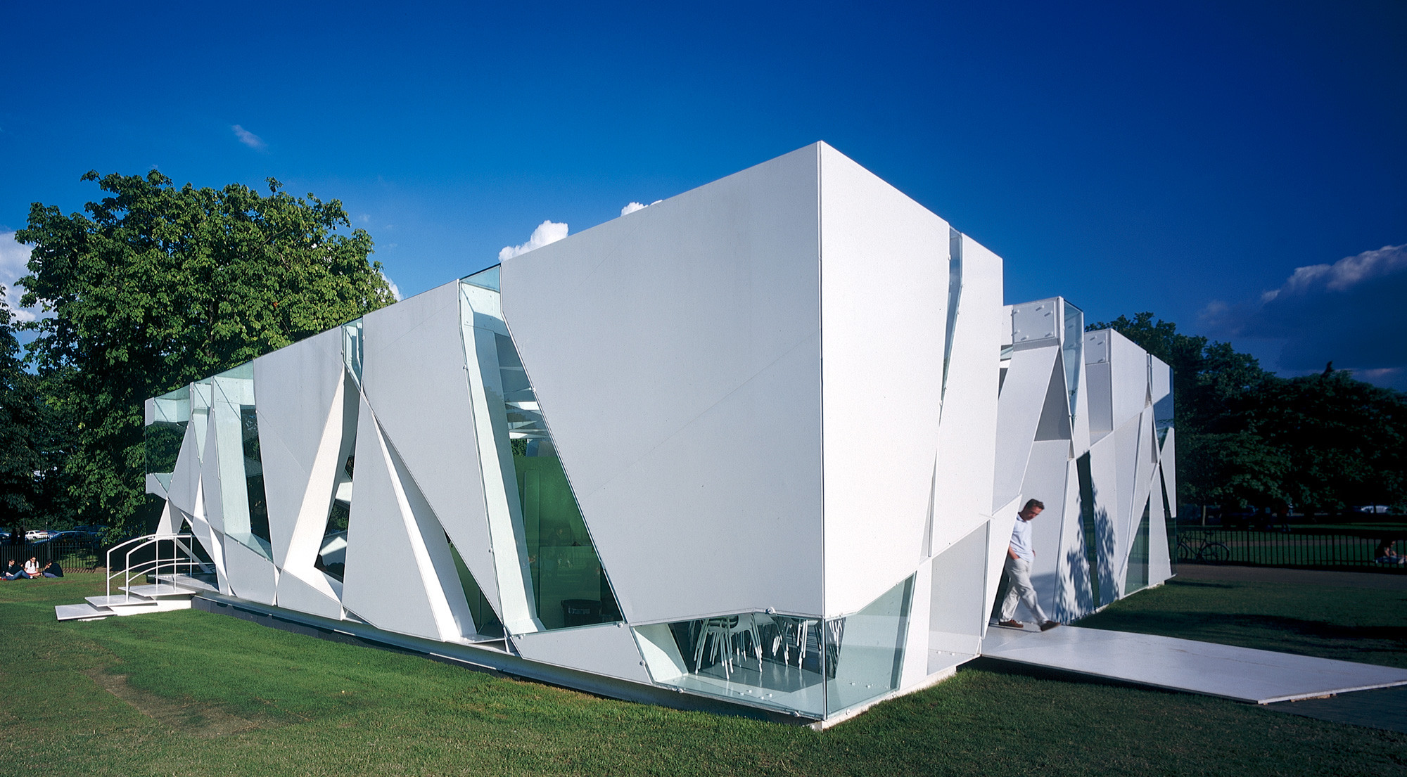 Image 5 of 34 | Serpentine Gallery Pavilion 2002 by Toyo Ito and Cecil Balmond with Arup