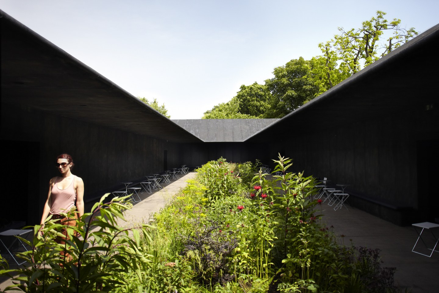 Image 20 of 34 | Serpentine Gallery Pavilion 2011 by Peter Zumthor