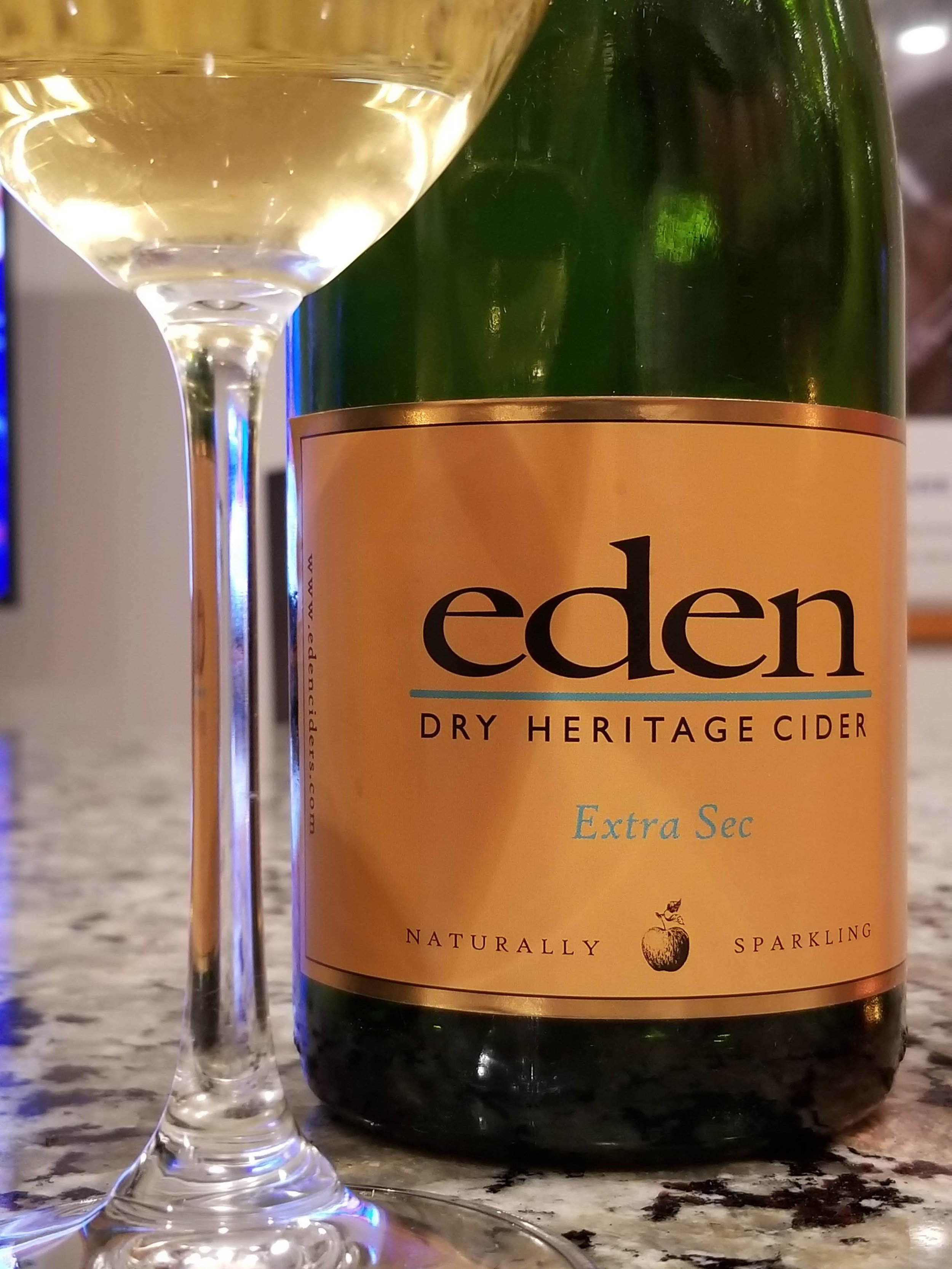 Extra Sec - Even though sec means dry, this cider has a nice sweetness. A beautiful fruit forward body with spices. I paired this cider with pad Thai and homemade Pho. This is a nice welcome cider for a dinner party. A true crowd pleaser.