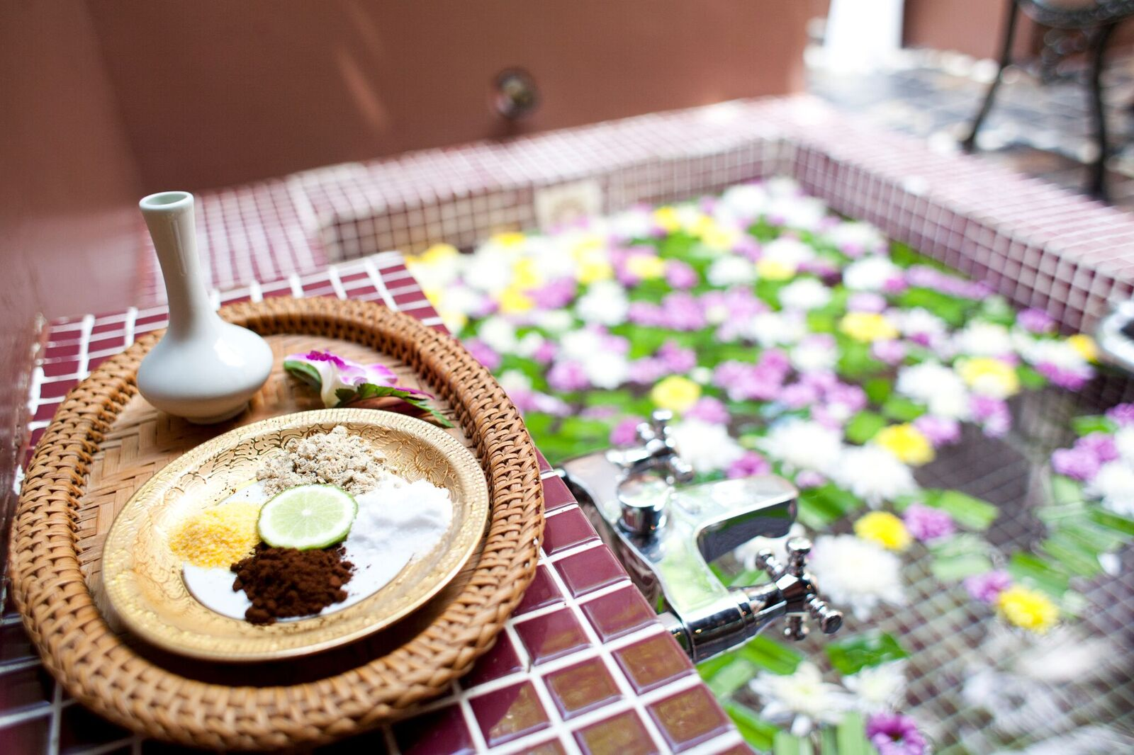 shallow-depth-spa-massage-setting-with-thai-herbal-compress-stamps_Hwe-Op1_3Ge_preview.jpeg