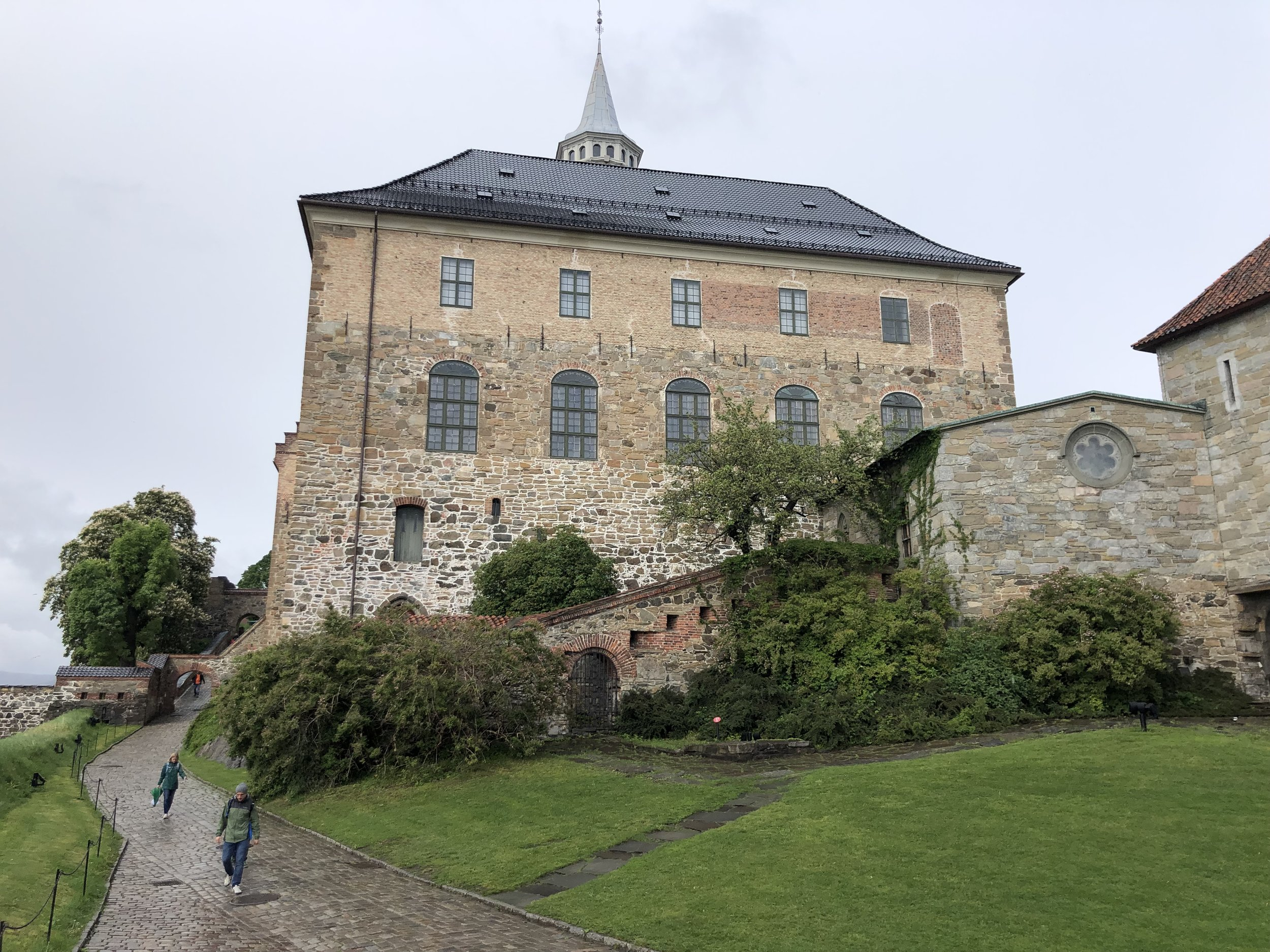An old fortress that overlooks the Oslo harbor.