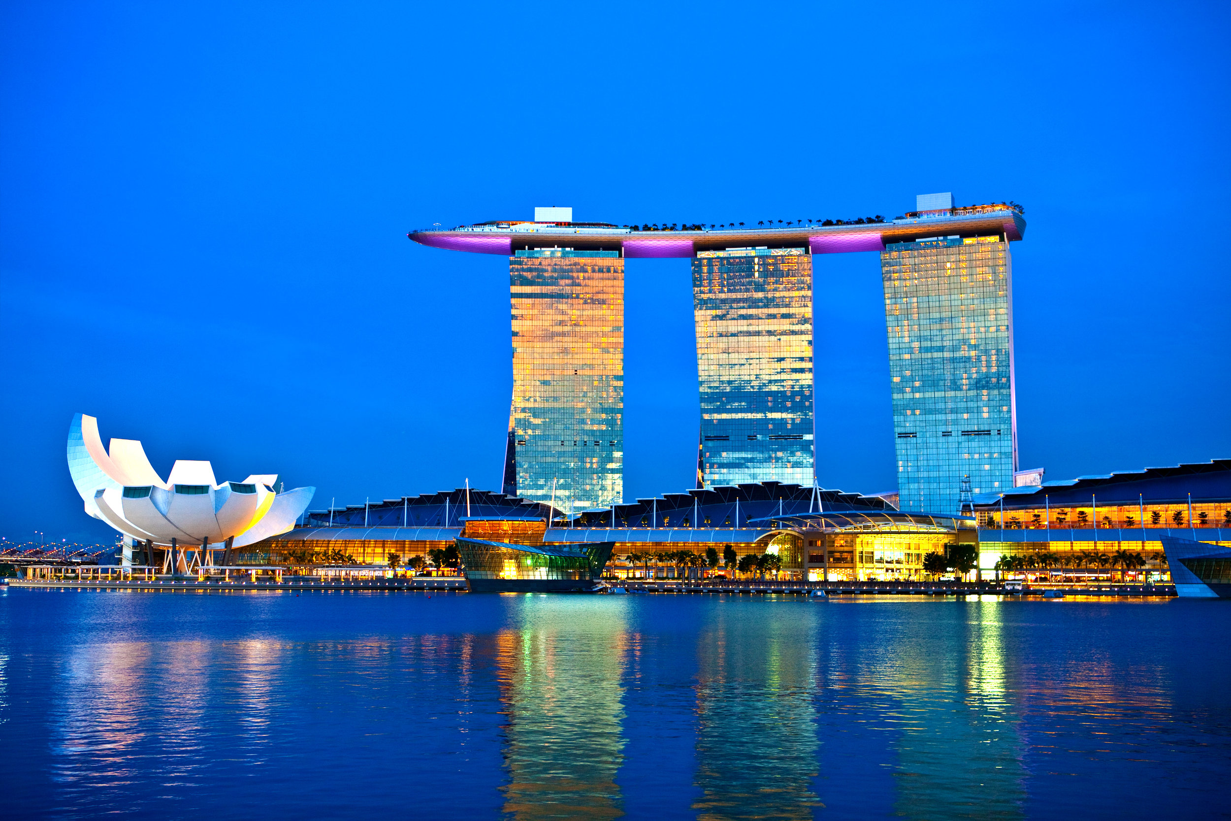 Marina Bay Sands SIngapore shutterstock_127224125.jpg