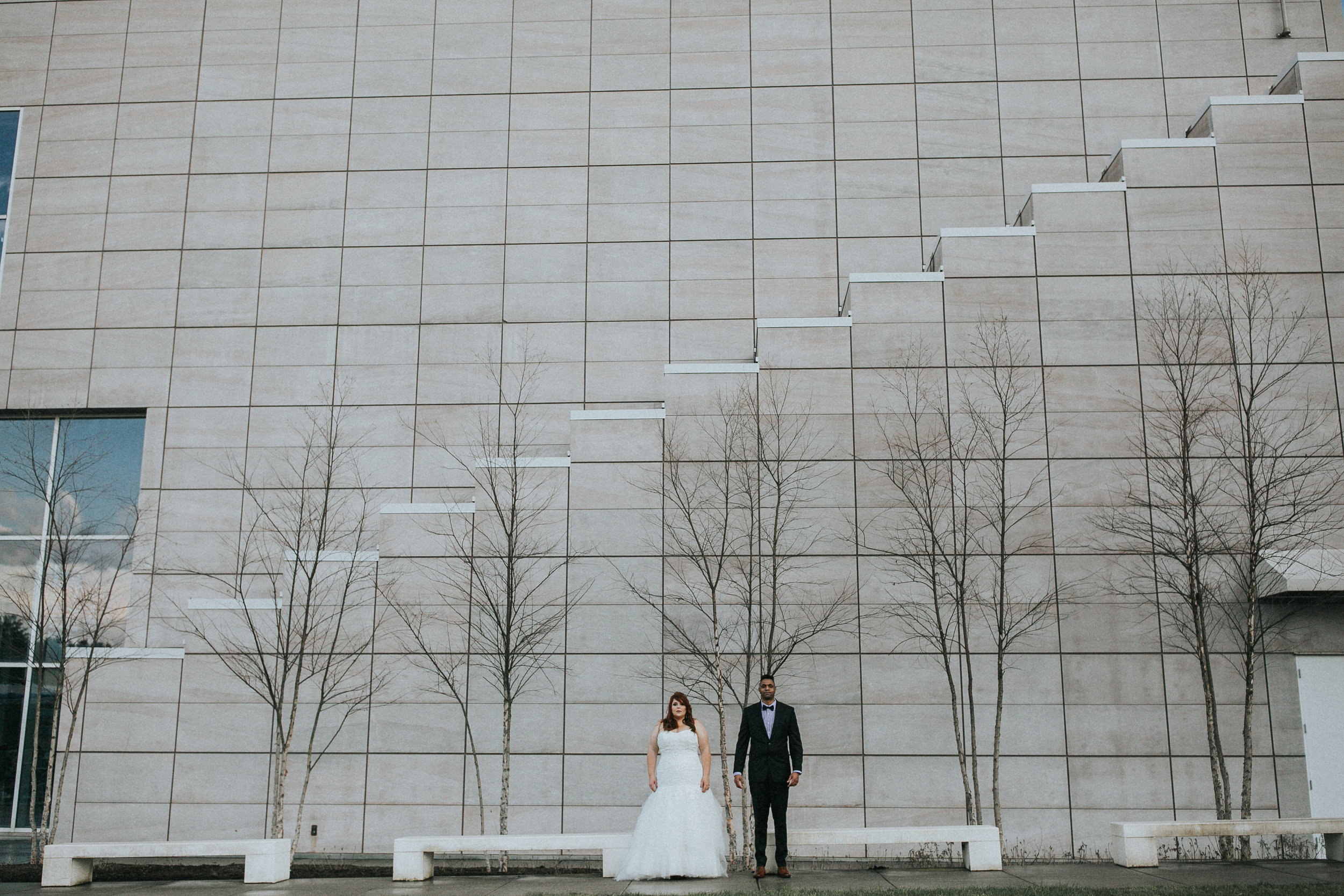 Danielle and Shaun's Modern Wedding at The Knoxville Museum of Art