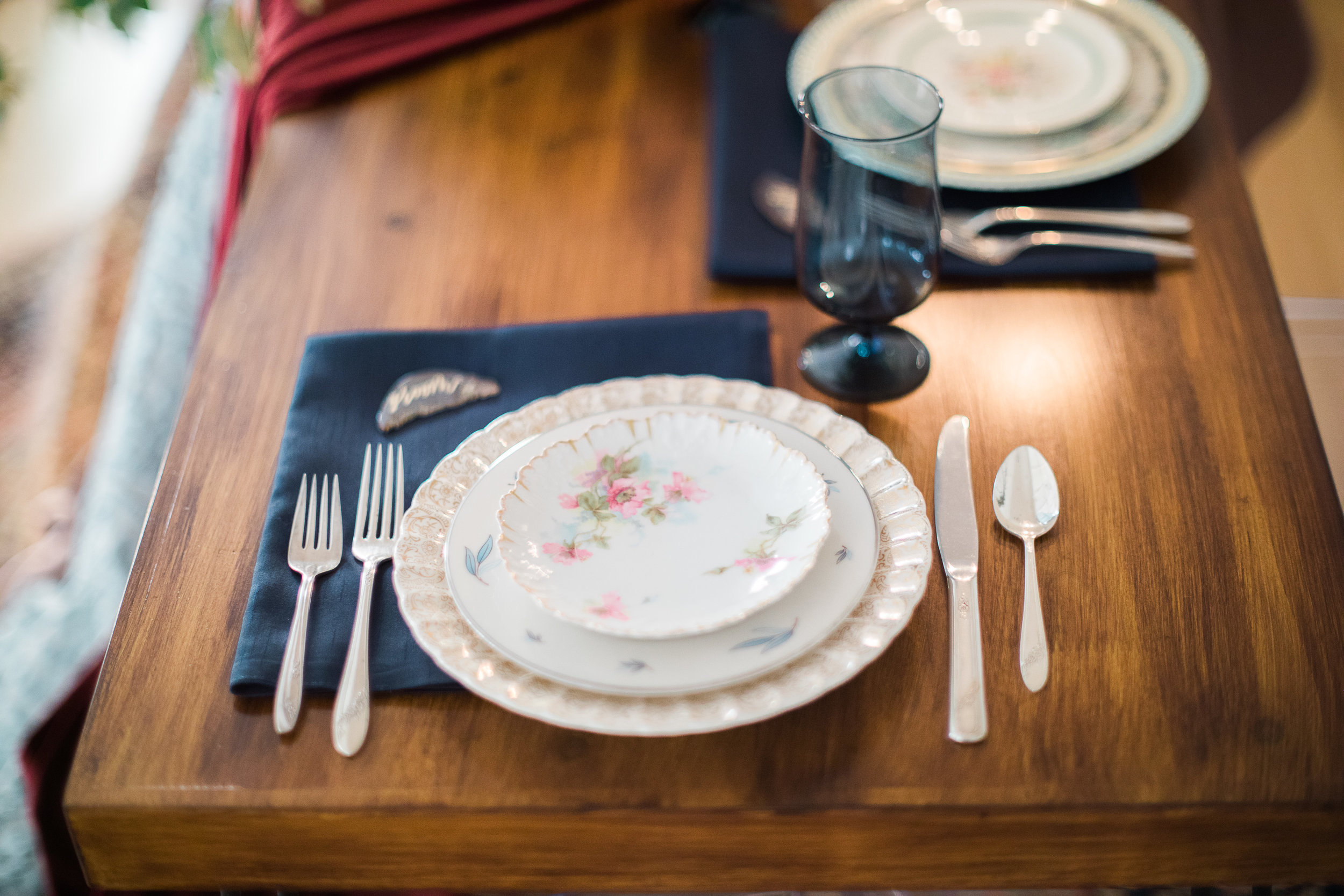 Vintage Mismatched China in a Wedding at The Trinity Chapel